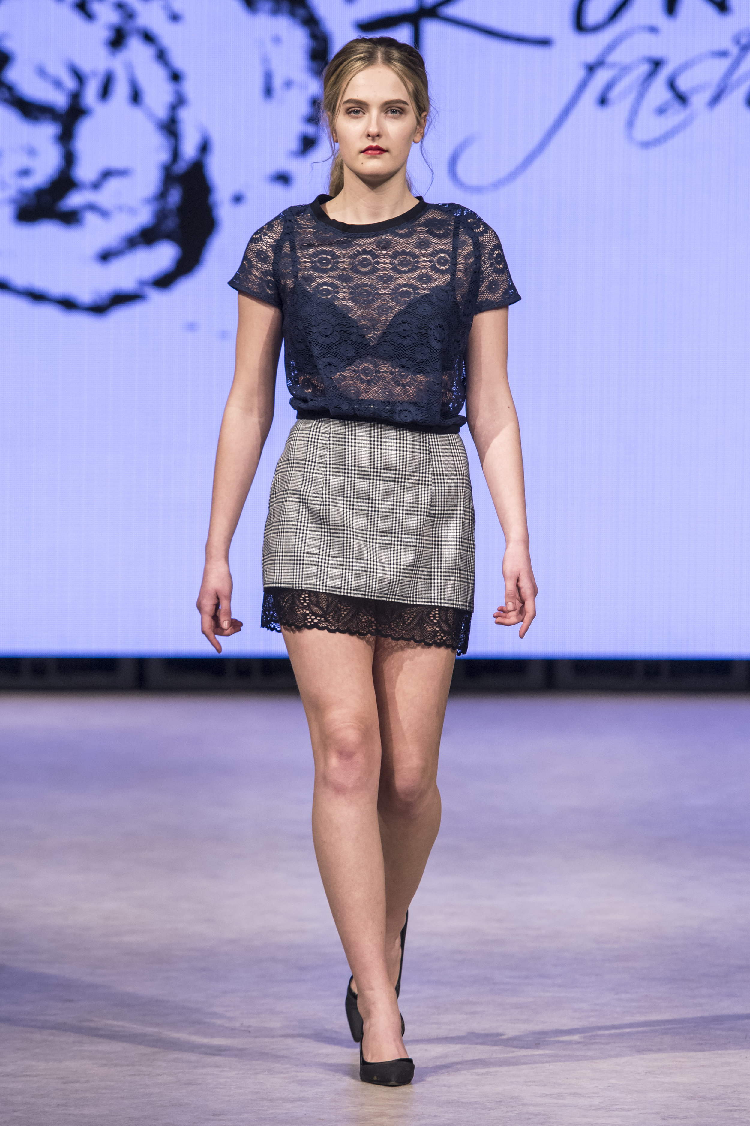 Rowes Fashion RF19 0281.jpg