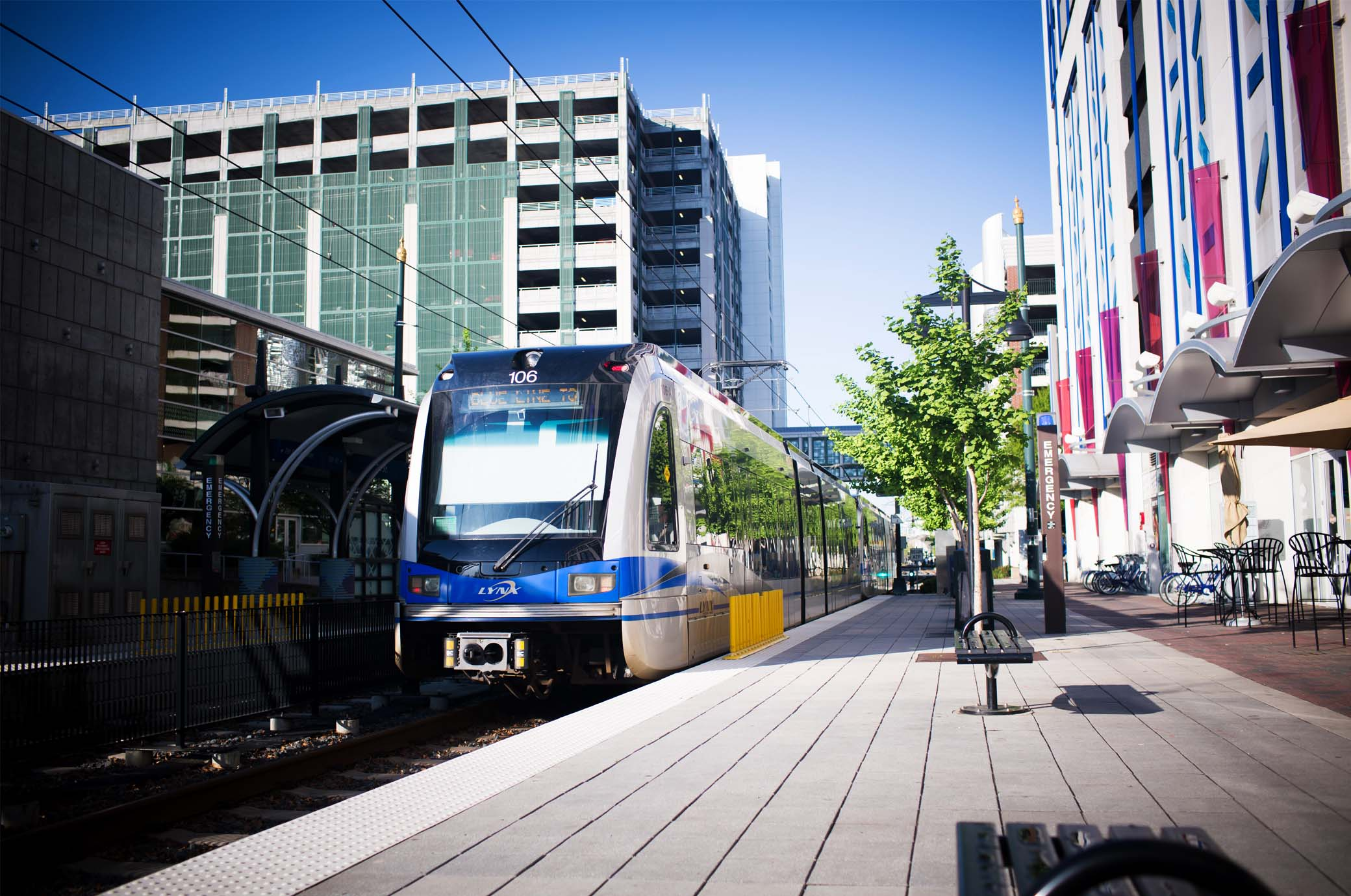 img2-explore-what-to-do-in-charlotte-lynx-lightrail.jpg