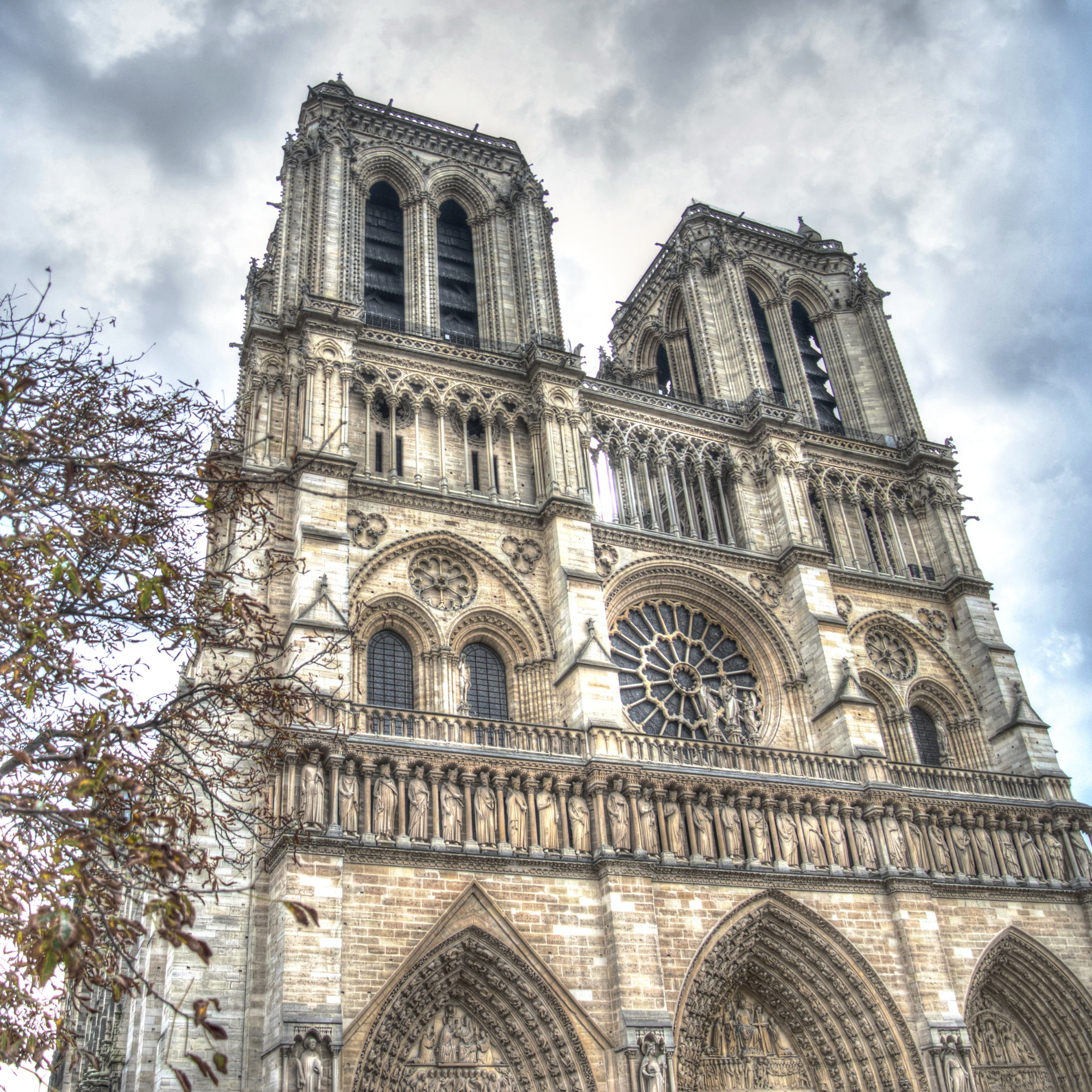 notre dame - Join us on our tour of Notre Dame. Francois and Sophie will guide you through Notre Dame's history, pointing out the architectural innovations and quirky tales that have made Notre Dame the world's most famous cathedral.Duration : 35 minutesDistance : 1 kmOpening hours : 7.45am - 18.45pmBest time to visit : Before 10.30am, after 17.00pmNotre Dame entrance fee : Free