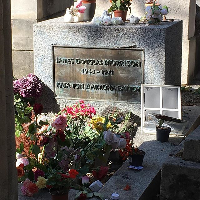 Visit Pere Lachaise Morrison Vidi Guides