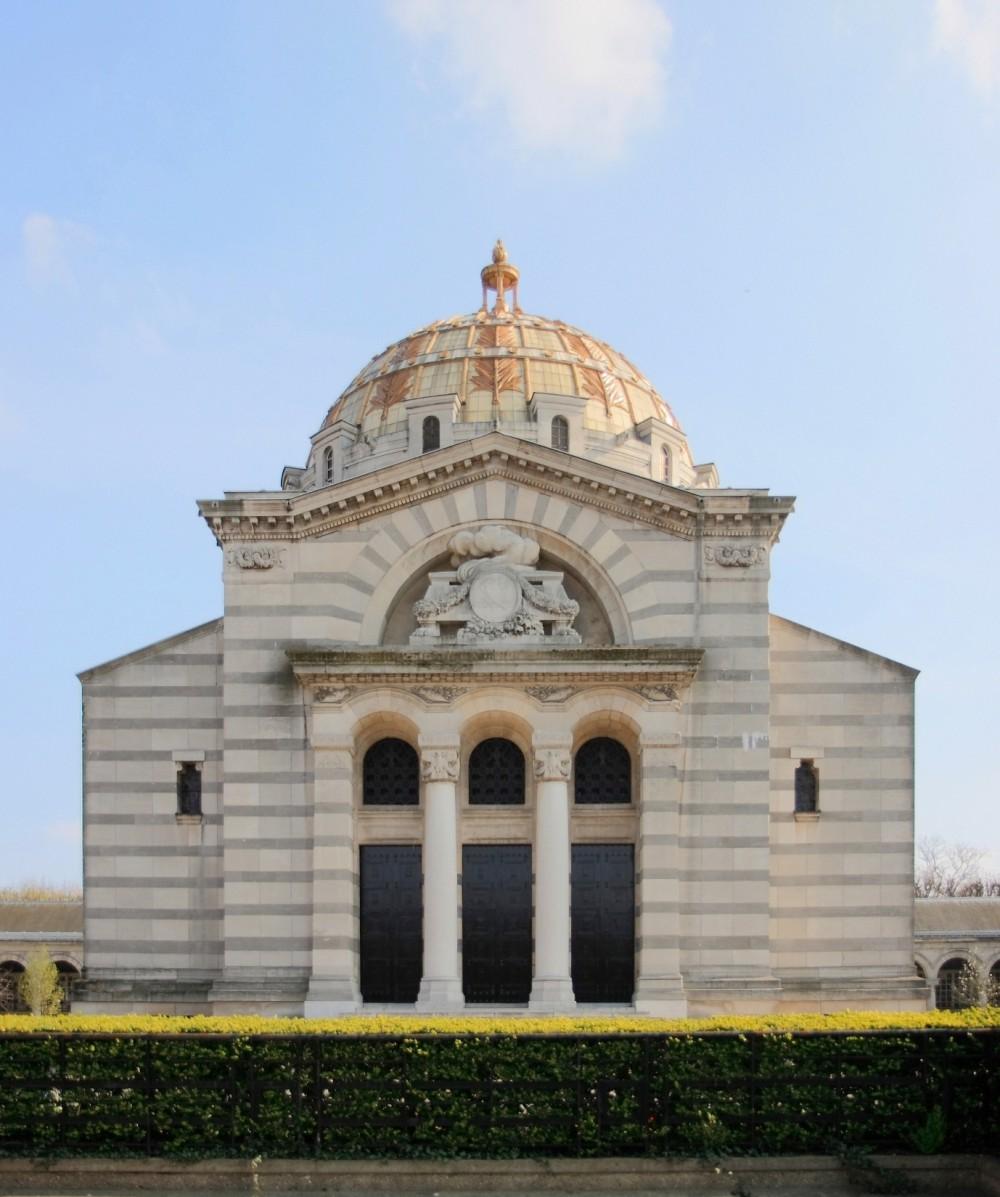 Visit Pere Lachaise Vidi guides Crematorium
