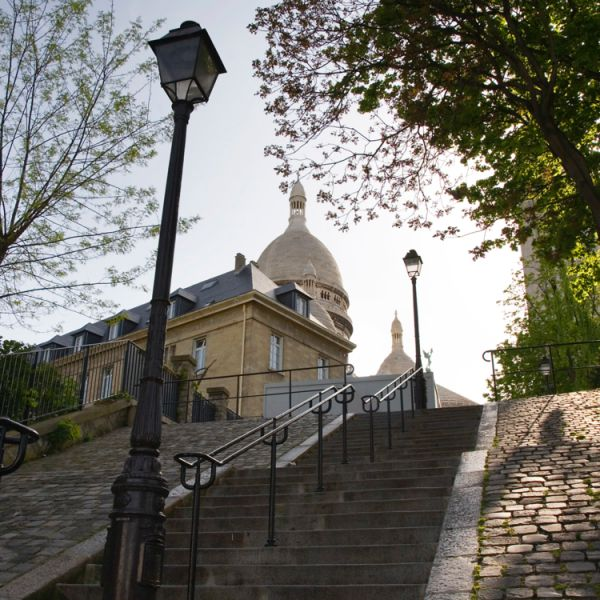 Things to do in montmartre Vidi Guides climb the steps