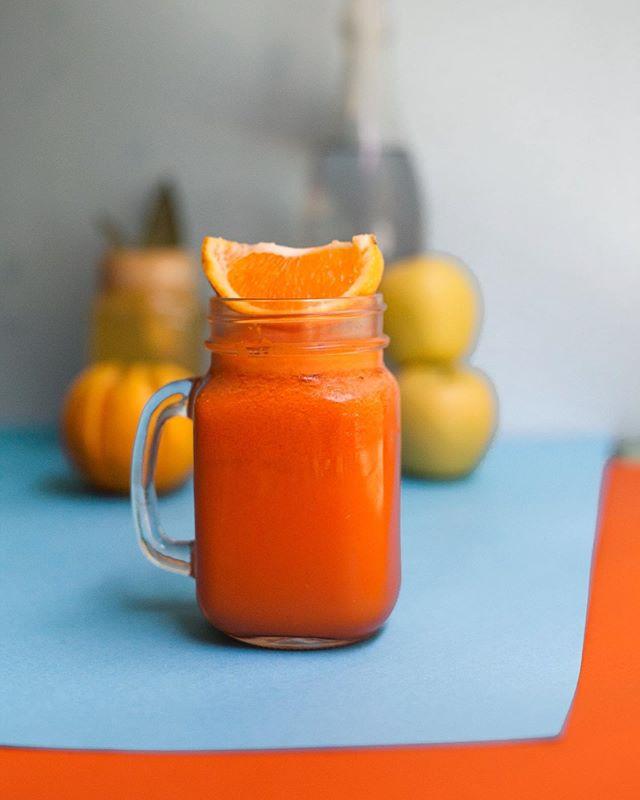 Orange crush. Amazing combination of orange, carrot, lemon and tummeric. Unique! . . . . . . . #newjuice #juices #sumo #vegan #govegan #vegeterianrestaurant #veggiereataurant #veganrestaurant #restaurantesdelisboa #restaurantesvegetarianos #veganoslisboa #vegetarianoslisboa #juicylisboa #lisboa #lisbonne #lisbon