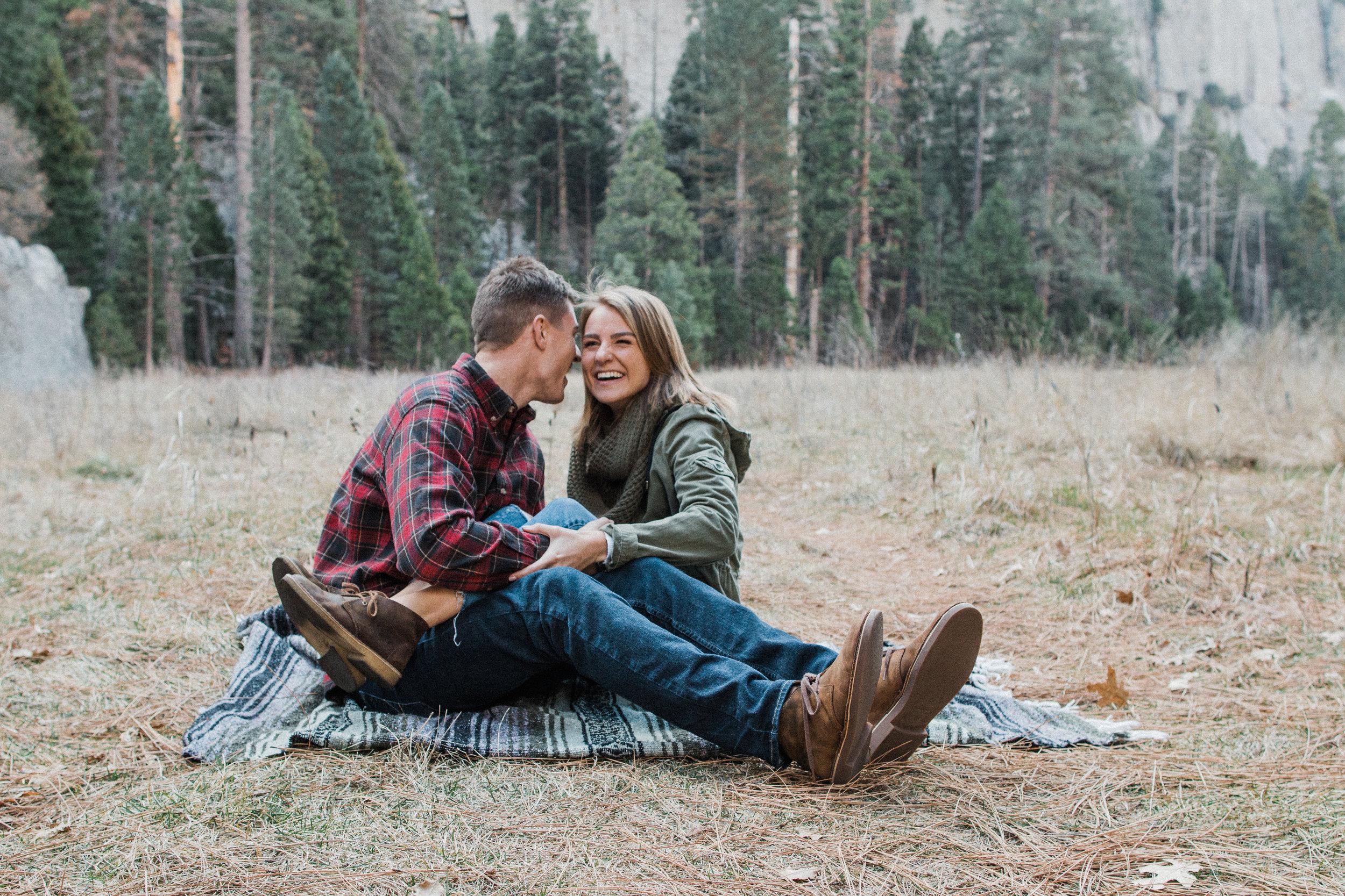 Yosemite-california-elopement-engagment-adventure-session-photographer