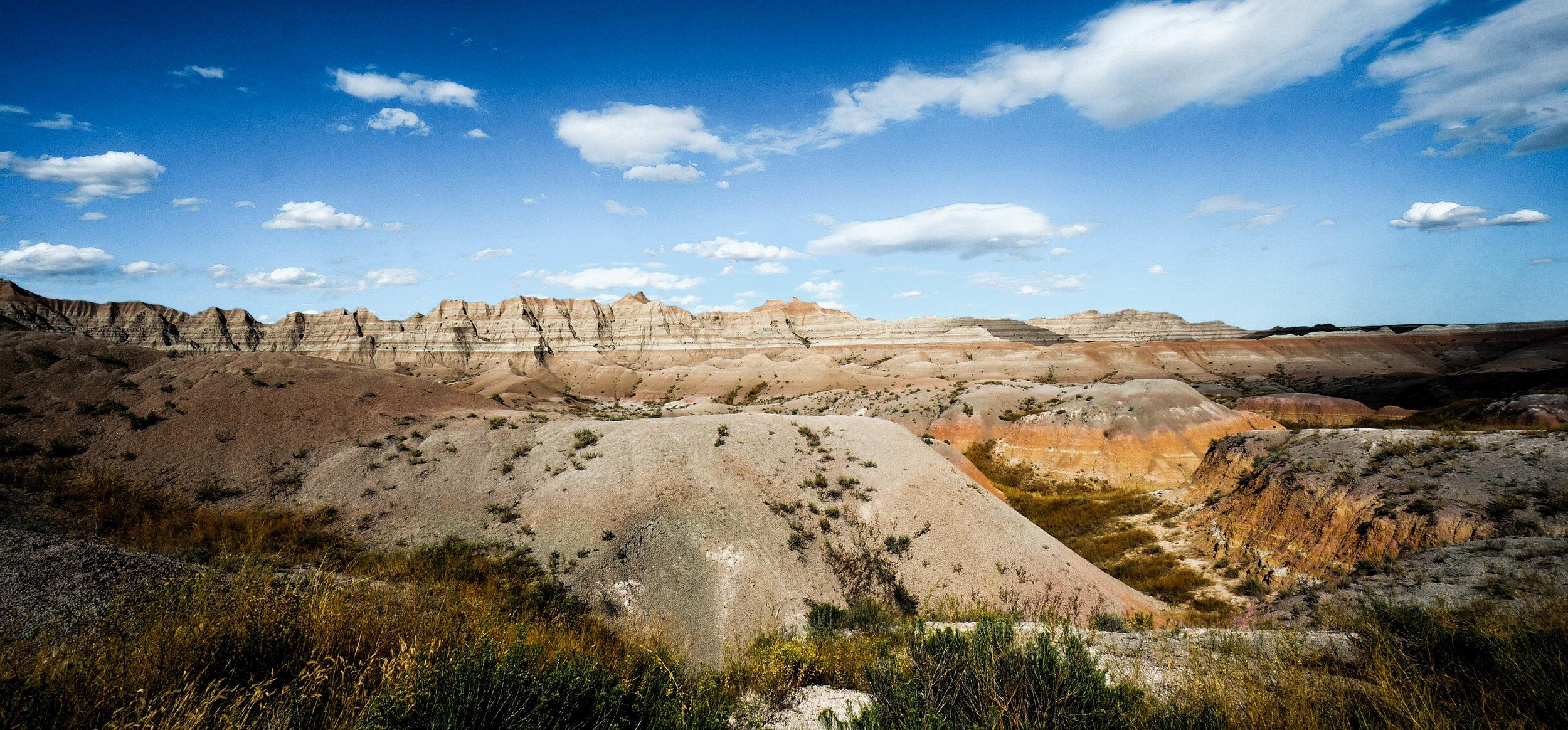 Hiking elopement in badlands national park