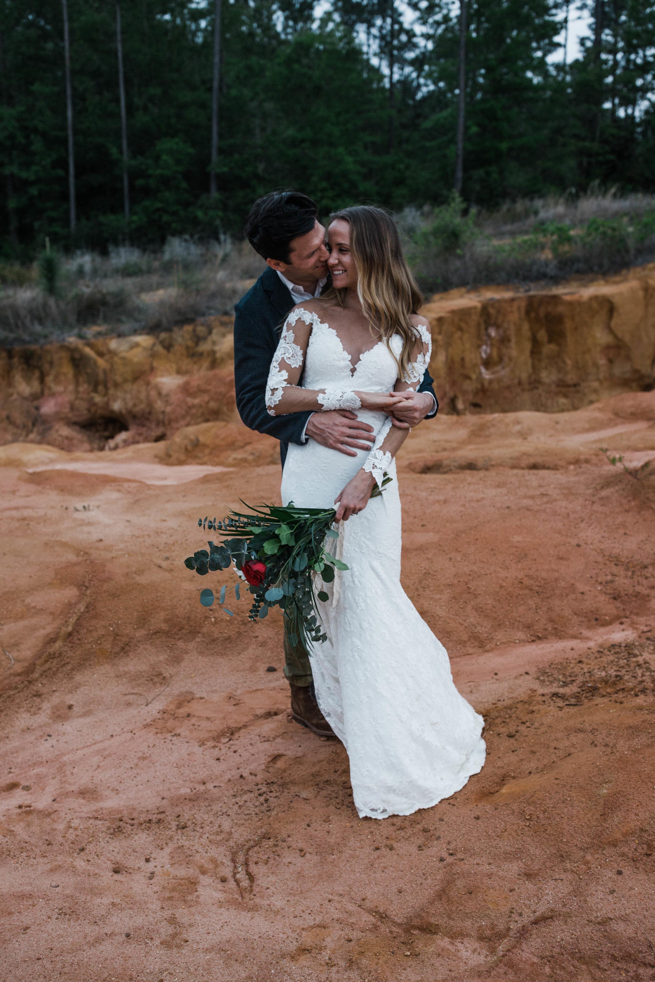 Romantic elopement in a mini canyon. Pensacola FL