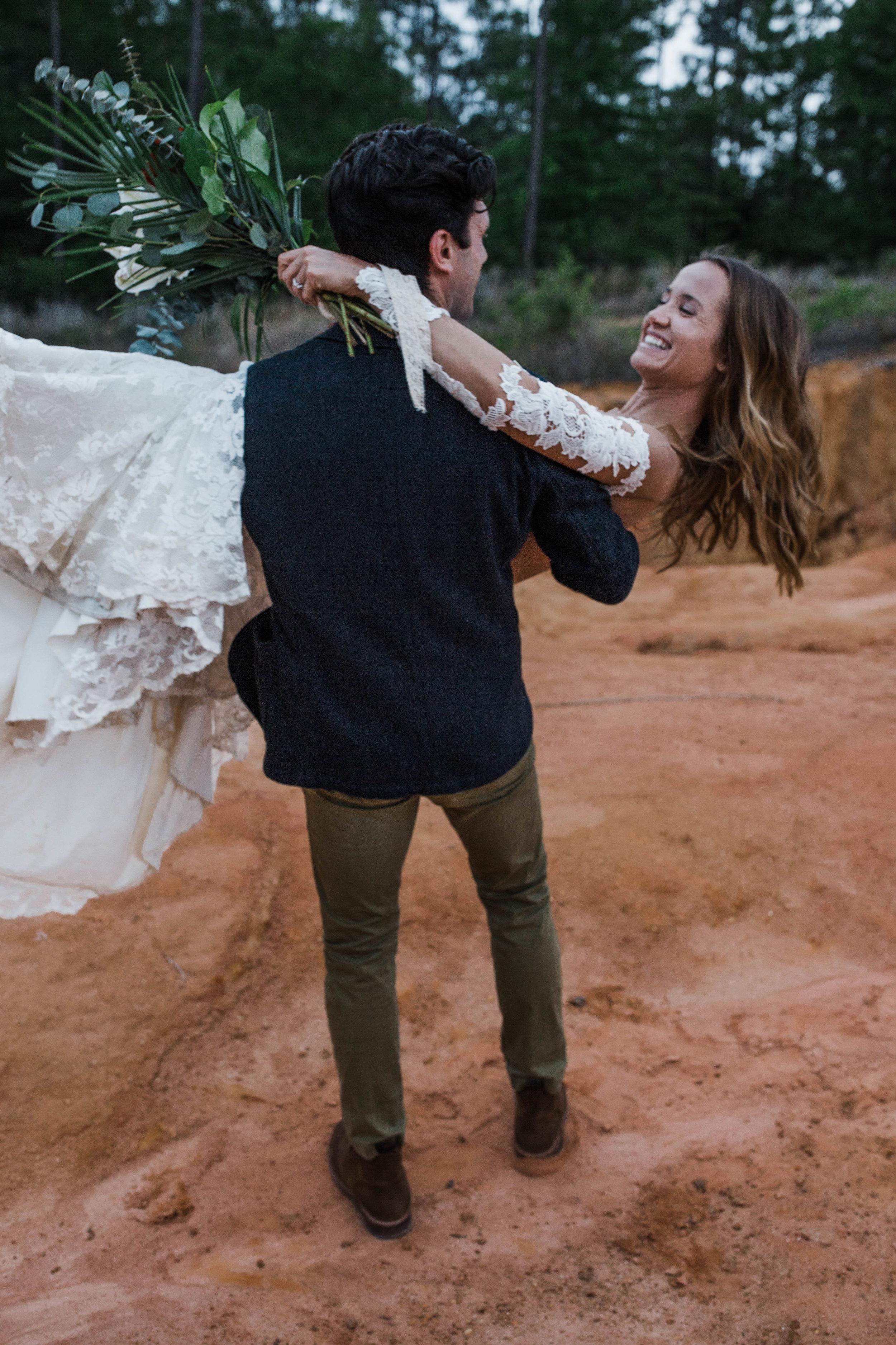 Romantic adventure elopement in a mini slot canyon