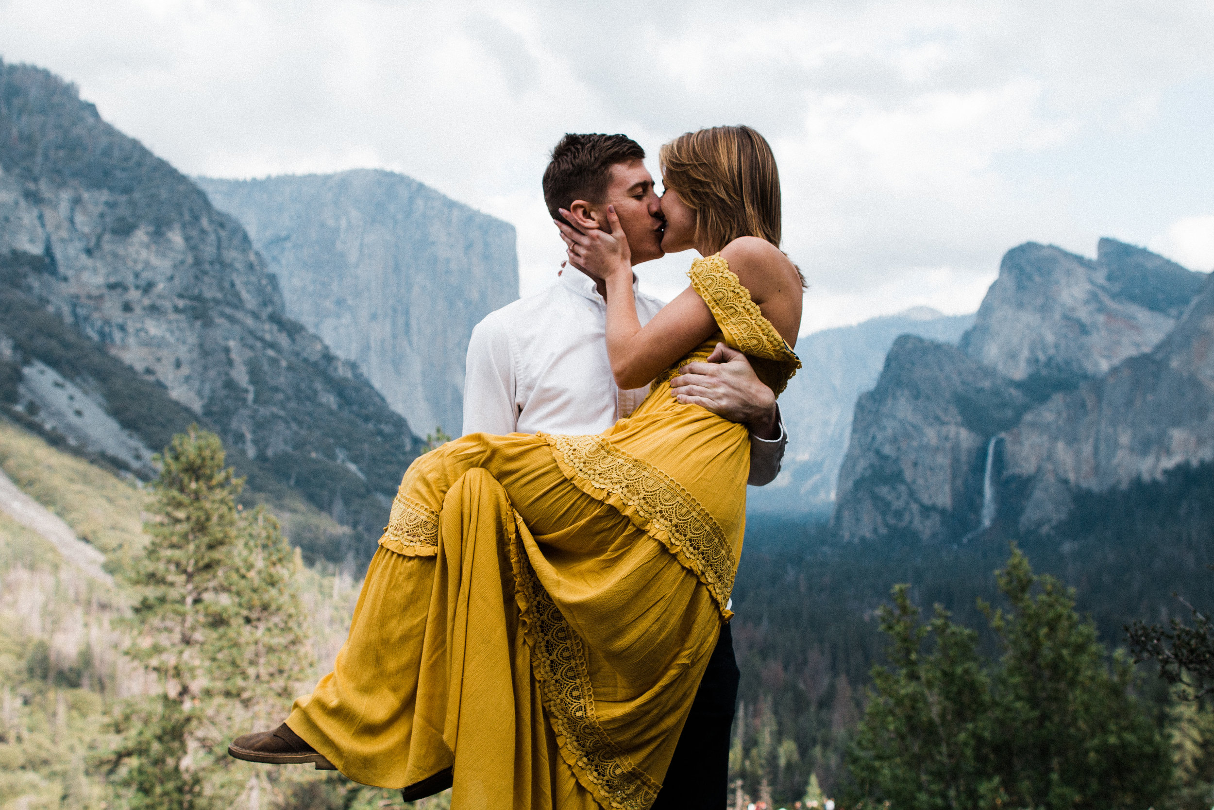 Yosemite engagement | Tunnel view engagement photos
