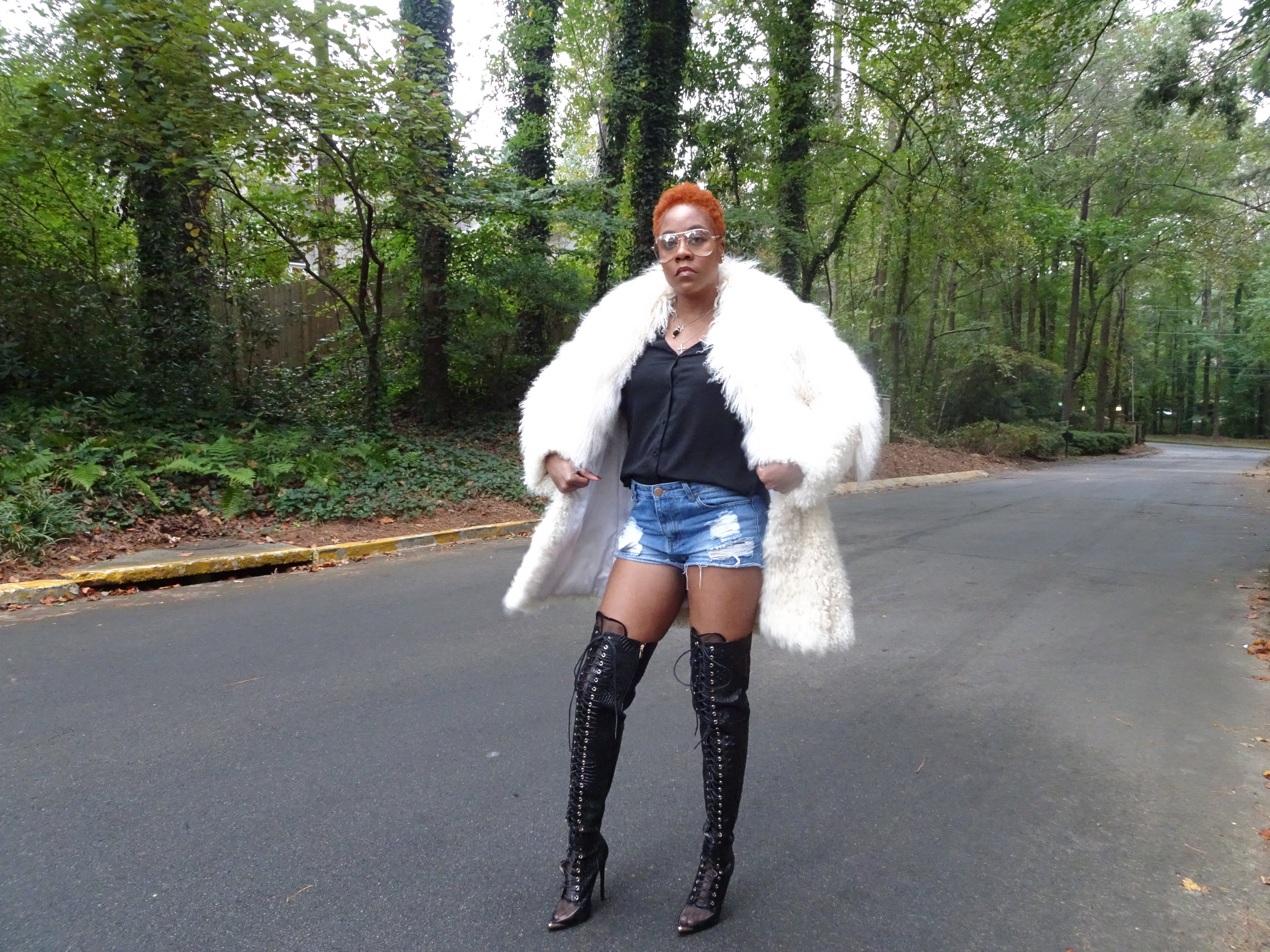 Coat: Vintage; Shirts: ASOS; Shorts: American Eagle; Shoes: TavisPShoes @TaviaPShoes; Glasses: Natural Girls Rock
