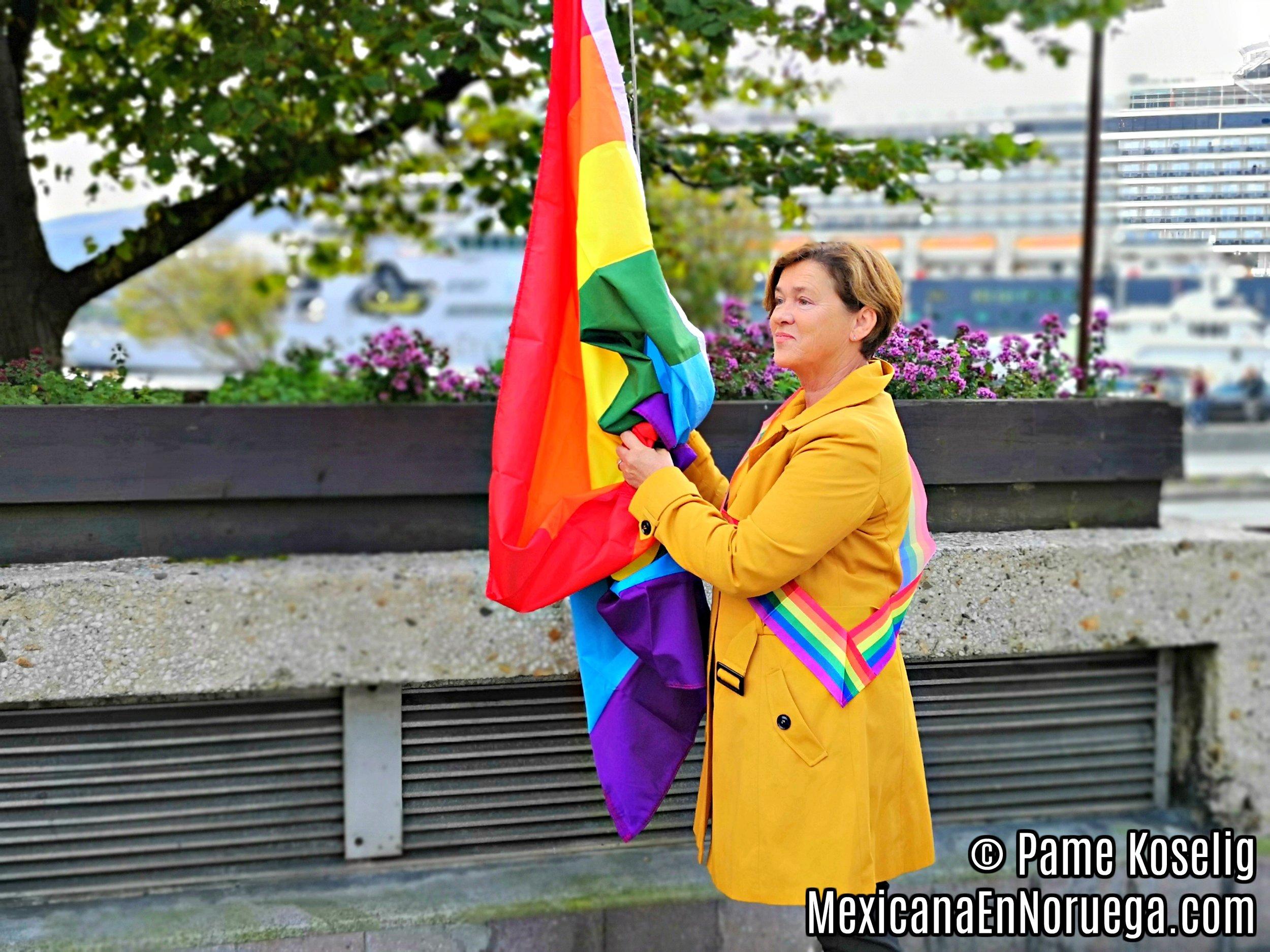 1 _ Eva Vinje Aurdal _ Major of Aalesund _ Pame Koselig _ Mexicana en Noruega.jpg