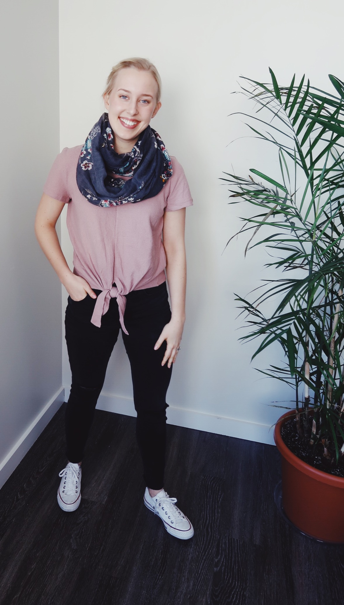 Top:  Madewell ; Jeans:  Madewell  Scarf: H&M (old); Shoes:  Converse