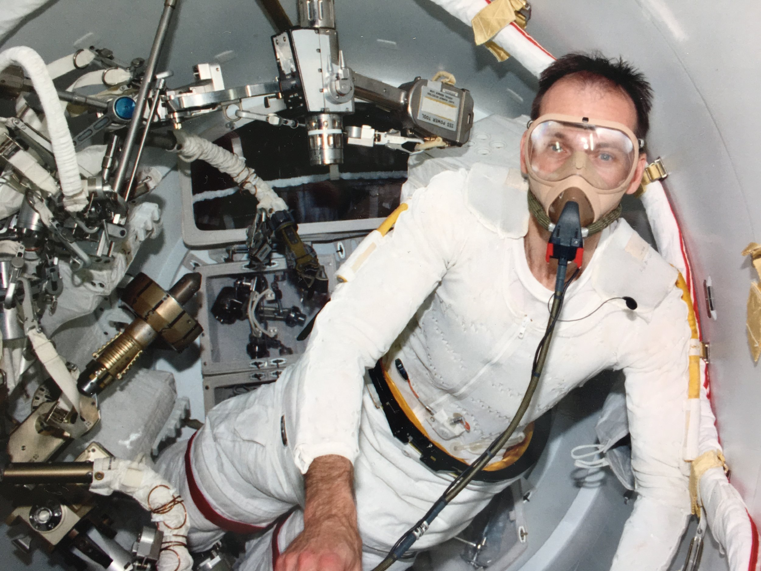 Breathing pure oxygen before spacewalk on space station