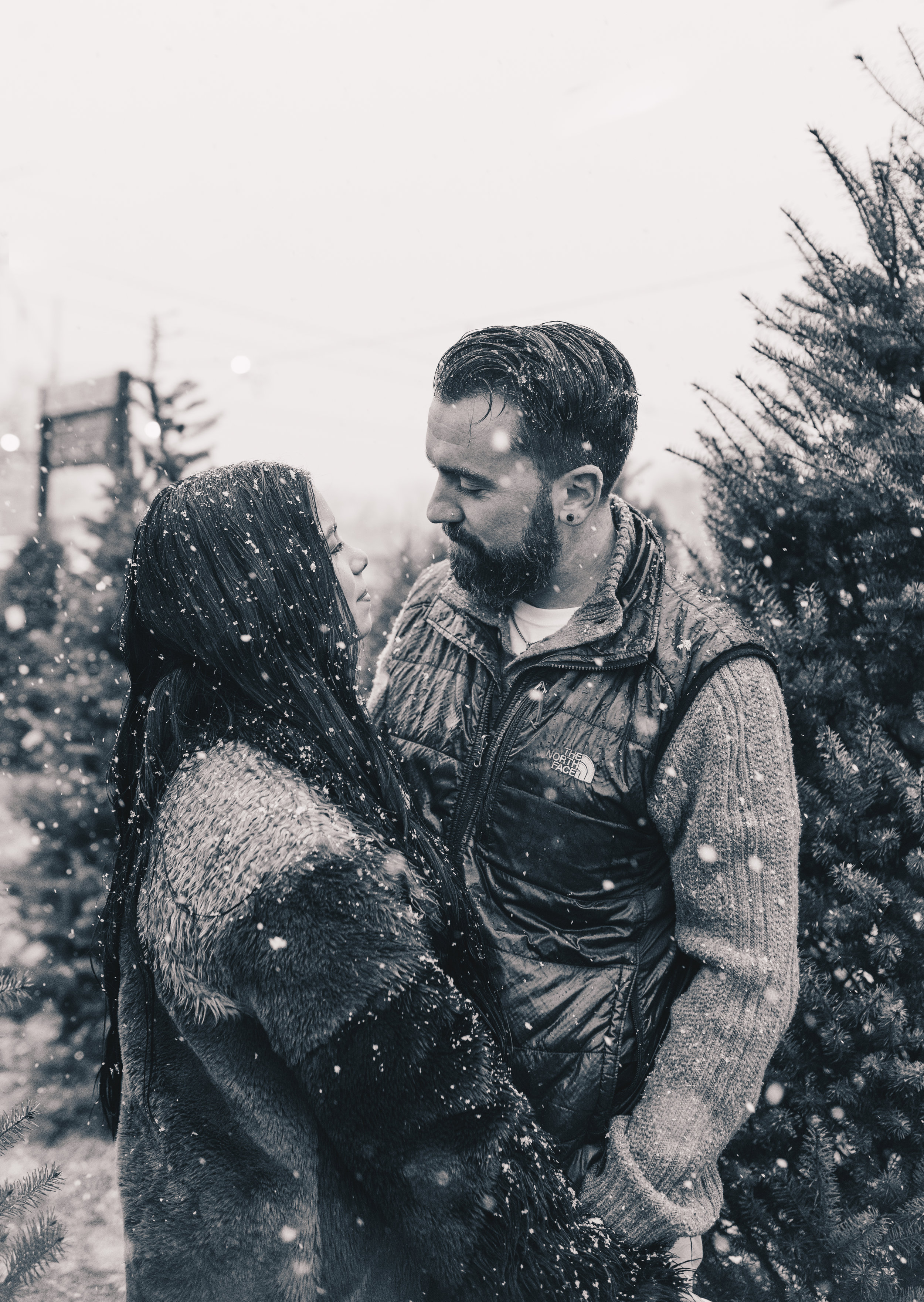 Winter Couples Photography, Winter Engagement Photography, Winter Wonderland Couples Photos, Illinois Couples Photographer