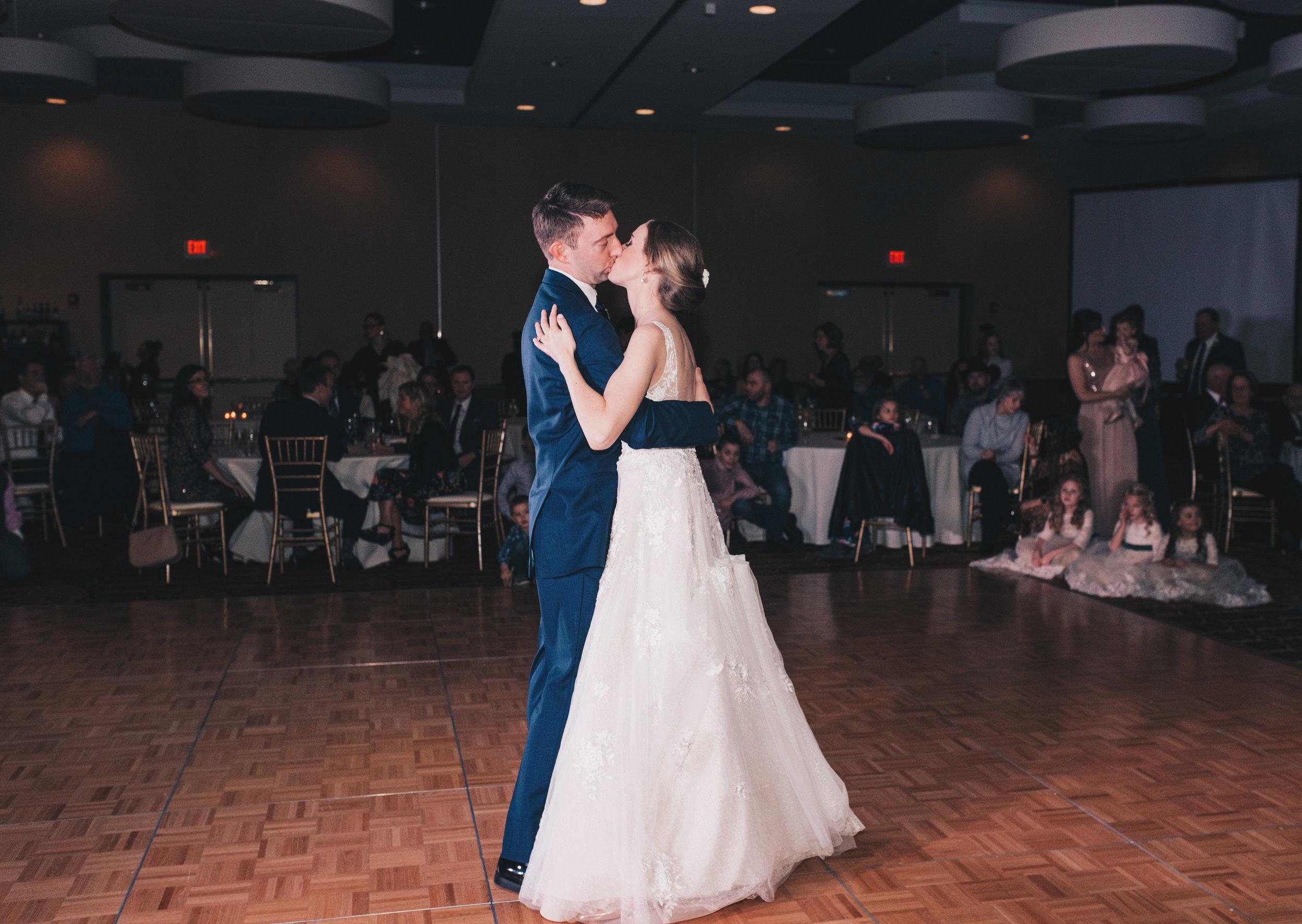 Winter Wedding, Chicago Winter Wedding, Chicago Wedding Photographer, Illinois Wedding, Illinois Wedding Photographer, Classy Modern Wedding, Reception Photos, First Dance Photos