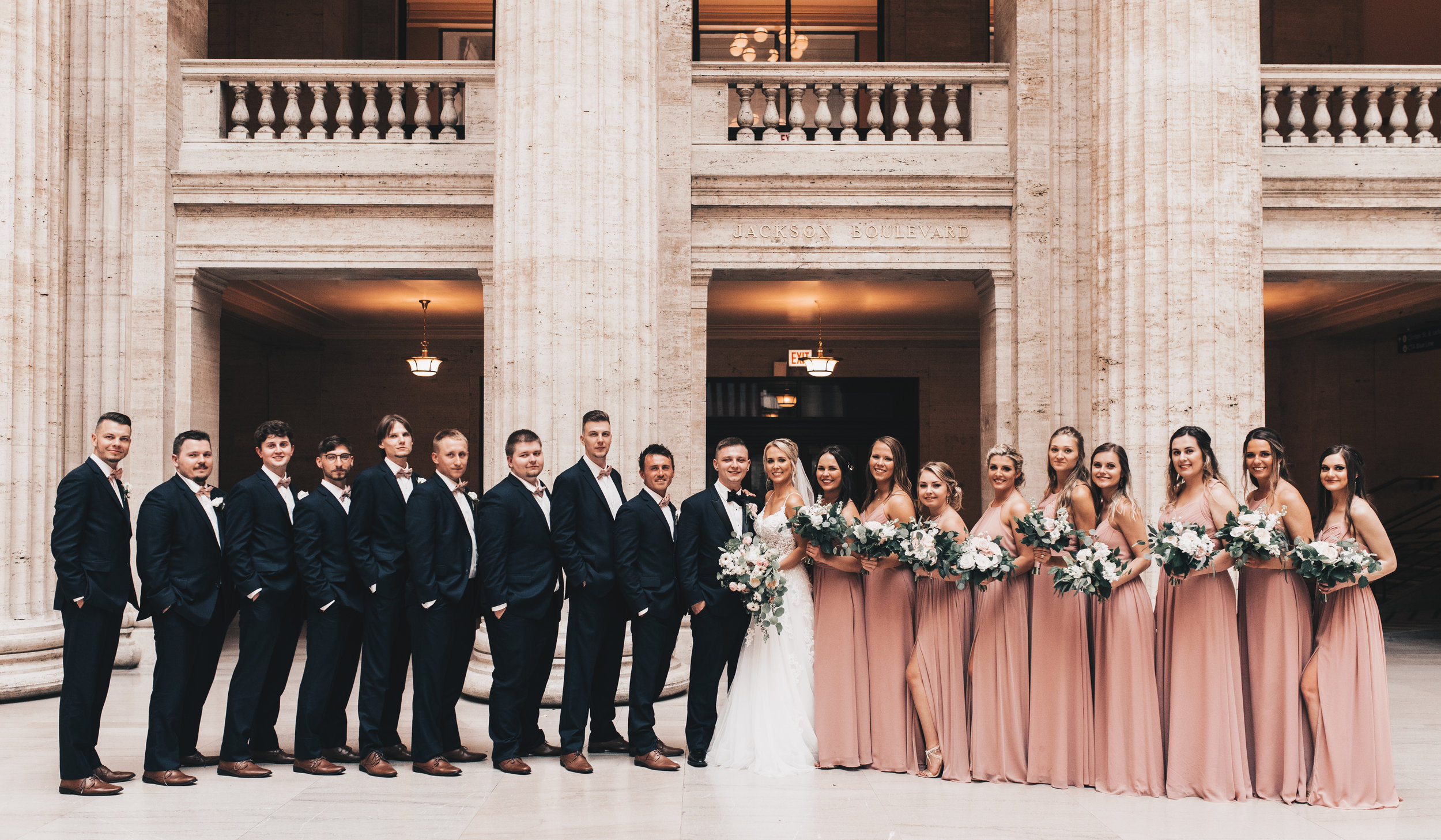 Chicago Wedding Photographer, City Wedding, Bride and Groom Photos, Illinois Wedding, Midwest Wedding, Union Station Wedding Photos