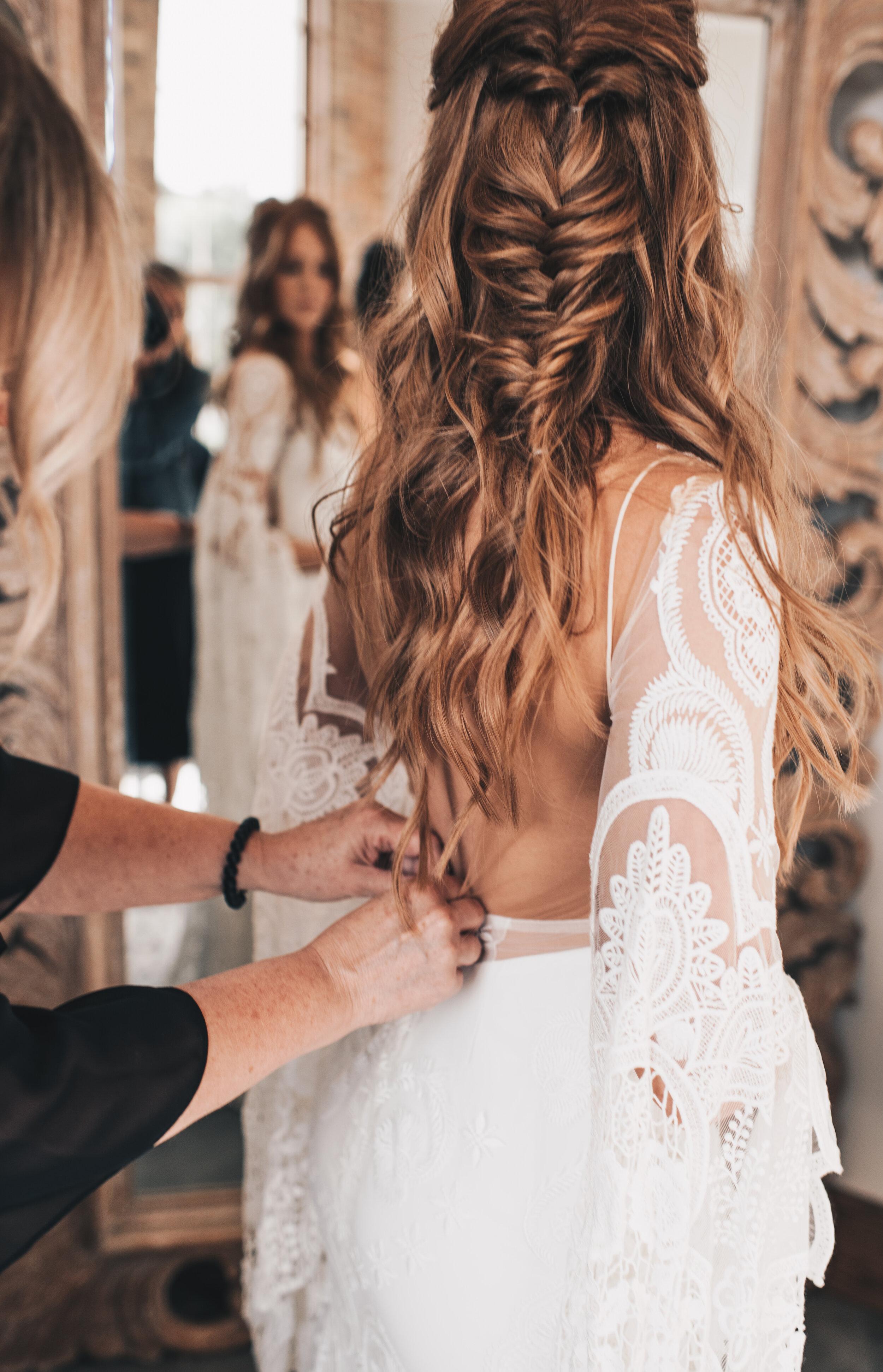 Modern Industrial Wedding, The Brix on the Fox, The BRIX, Wedding Detail Photos, Modern Midwest Wedding, The Brix on the Fox Wedding, The BRIX Wedding, Bride Getting Ready Photos