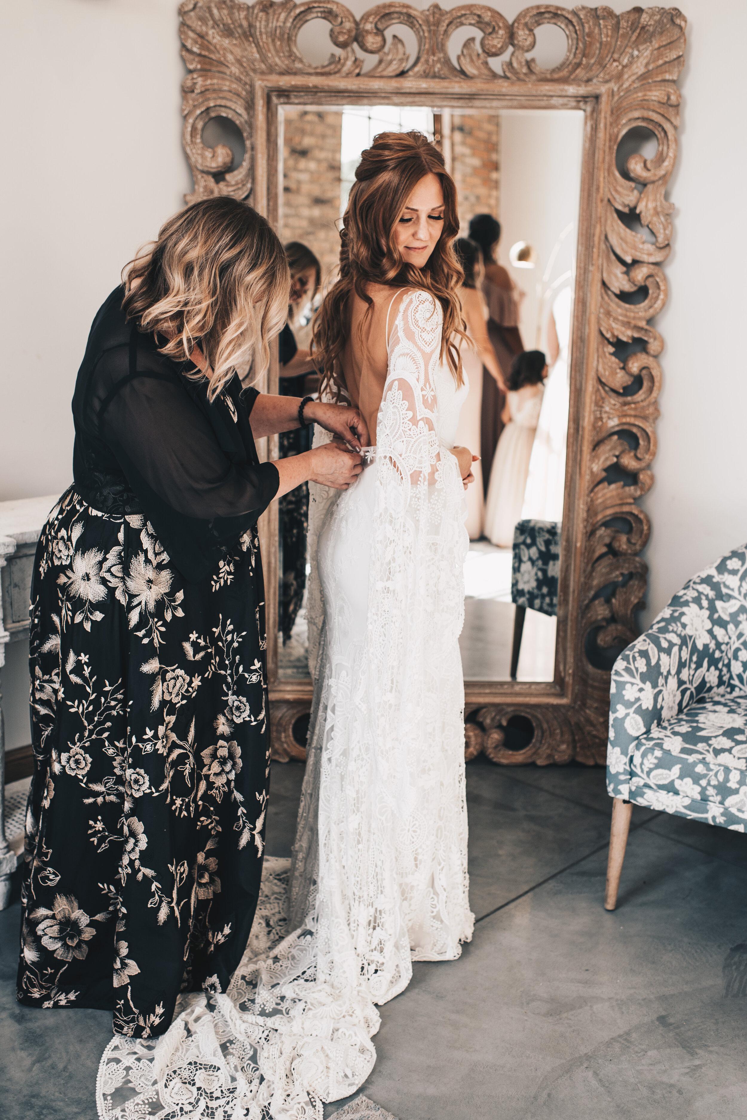 Modern Industrial Wedding, The Brix on the Fox, The BRIX, Wedding Detail Photos, Modern Midwest Wedding, The Brix on the Fox Wedding, The BRIX Wedding, Bride Getting Ready Photos, Modern Boho Wedding