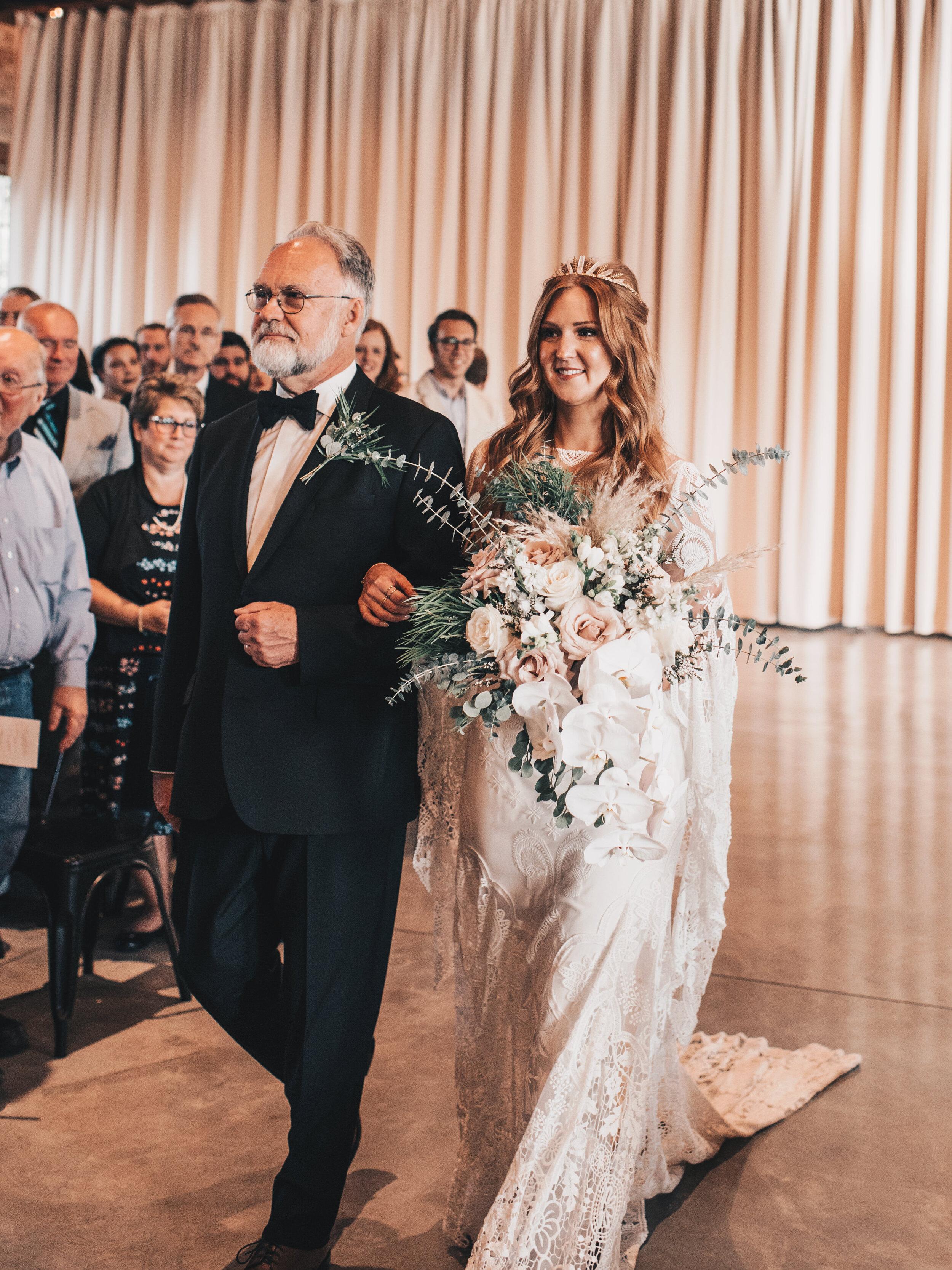Modern Industrial Wedding, The Brix on the Fox, The BRIX, Chicago Industrial Wedding, Modern Midwest Wedding, The Brix on the Fox Wedding, The BRIX Wedding