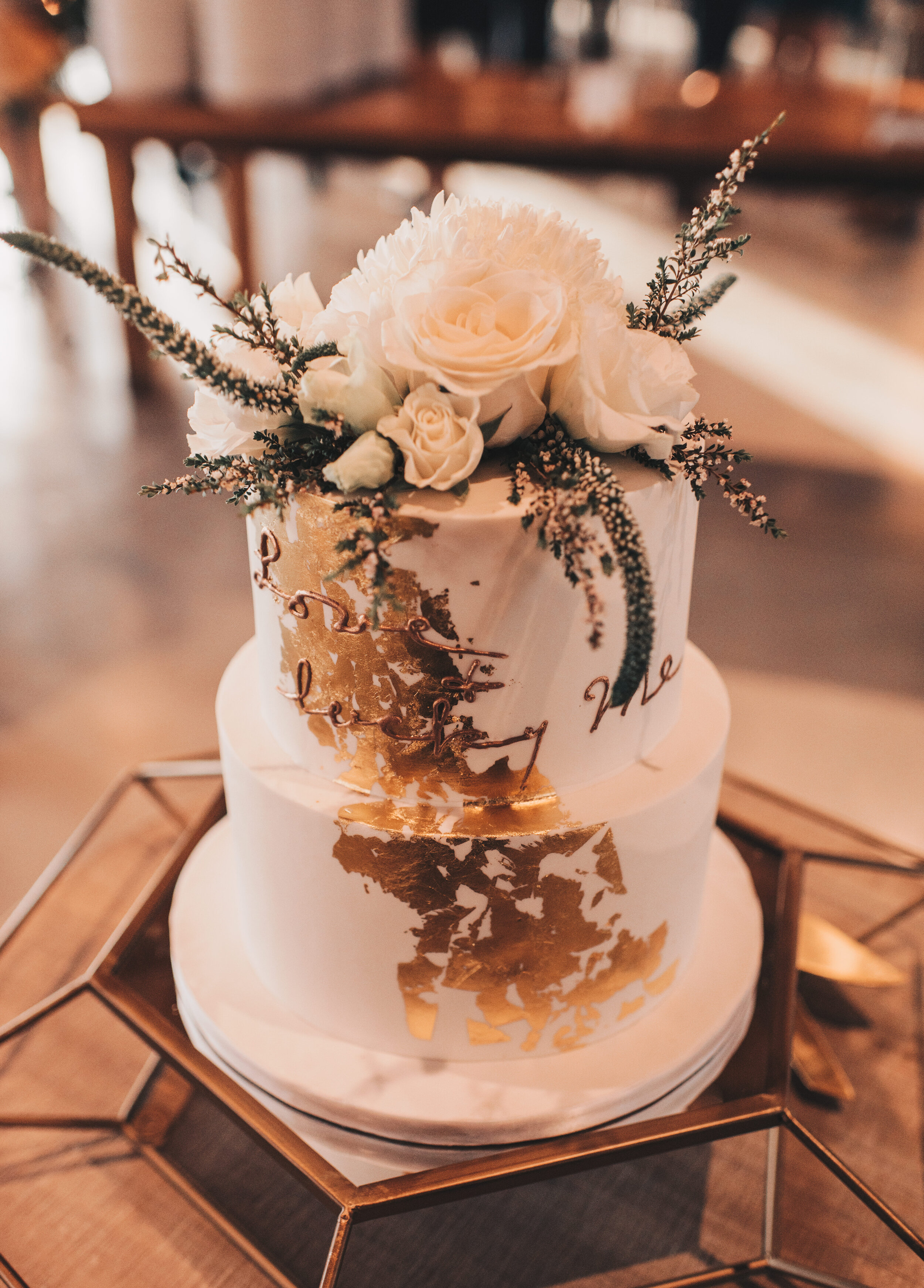 Modern Industrial Wedding, The Brix on the Fox, The BRIX, Chicago Industrial Wedding, Modern Midwest Wedding, The Brix on the Fox Wedding, The BRIX Wedding, Modern Wedding Cake