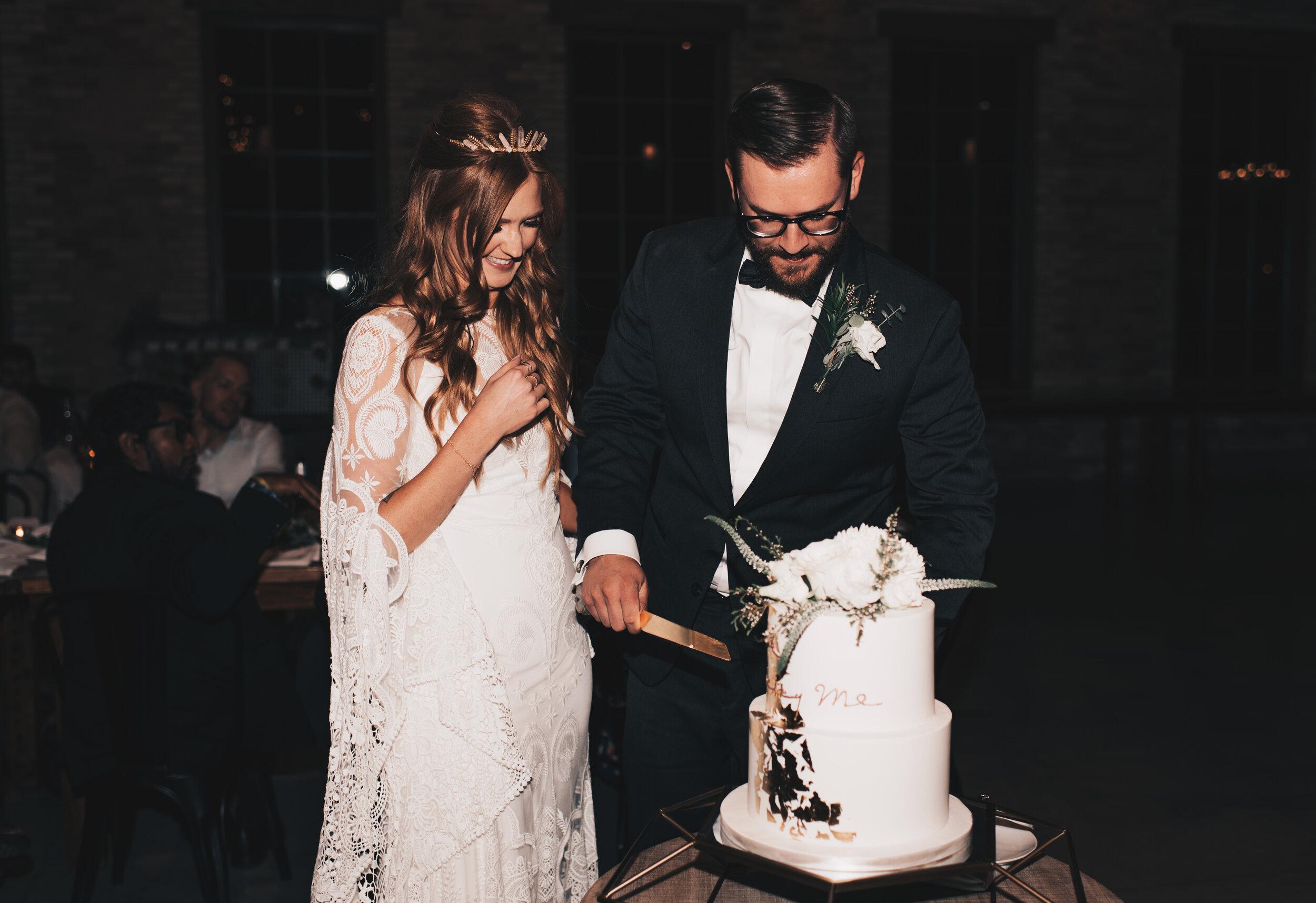Modern Industrial Wedding, The Brix on the Fox, The BRIX, Chicago Industrial Wedding, Modern Midwest Wedding, The Brix on the Fox Wedding, The BRIX Wedding, Cutting Wedding Cake Photos