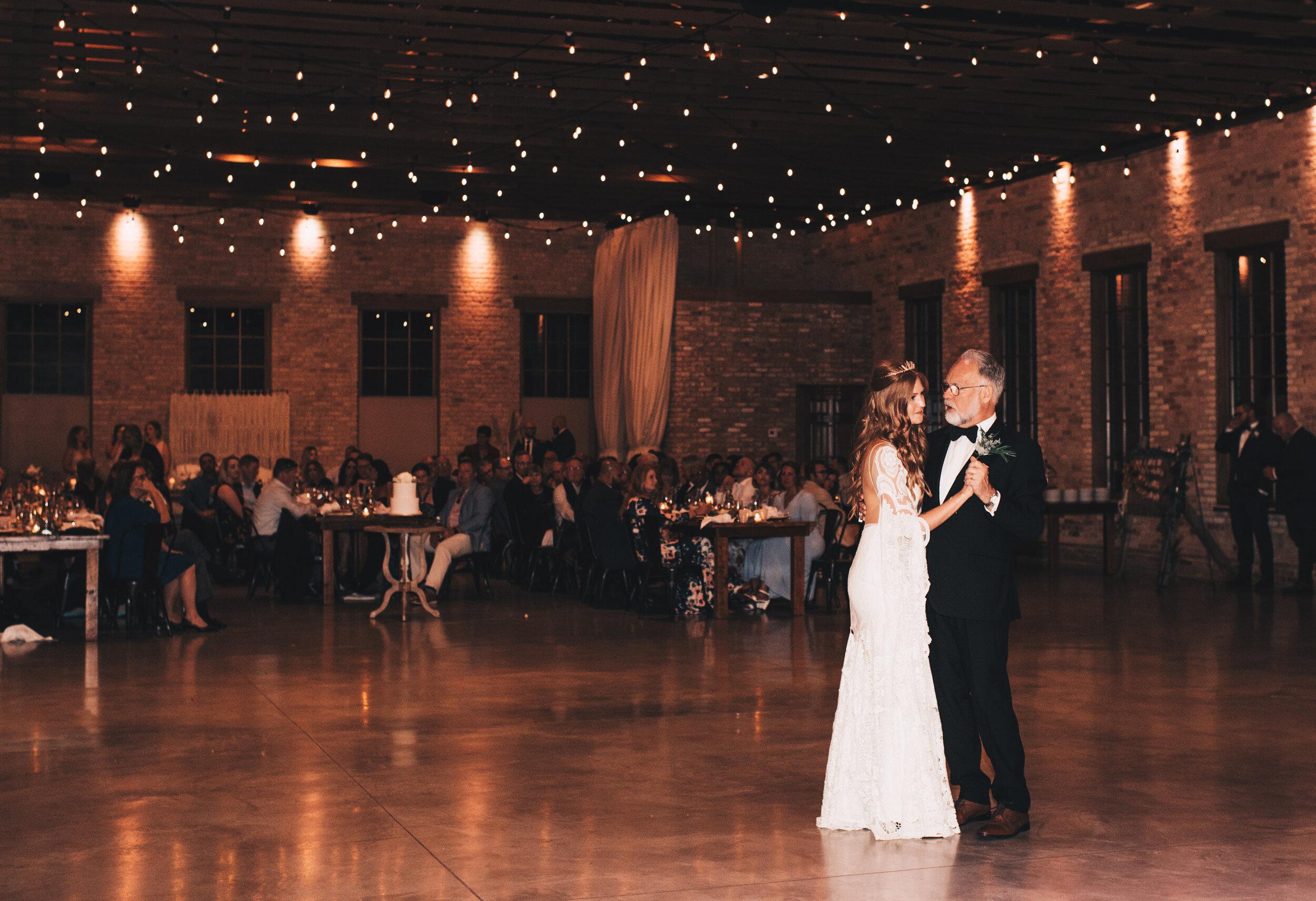 Modern Industrial Wedding, The Brix on the Fox, The BRIX, Chicago Industrial Wedding, Modern Midwest Wedding, The Brix on the Fox Wedding, The BRIX Wedding, First Dance Wedding Photos