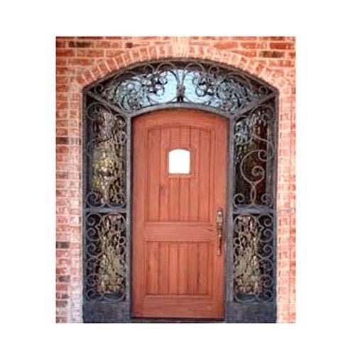 puerta con herreria.jpg