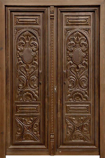 puerta tallada en dos hojas.jpg