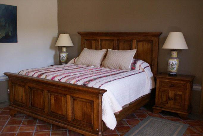 cama-queen-size-marqueteria-mezquite.jpg
