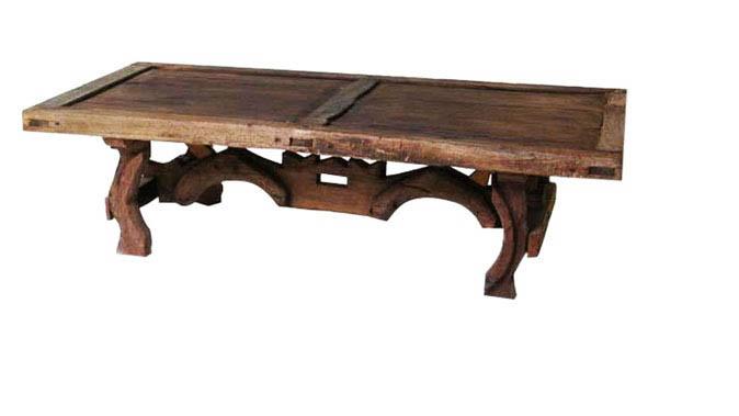 mesa pata de yugo con puerta antigua.jpg