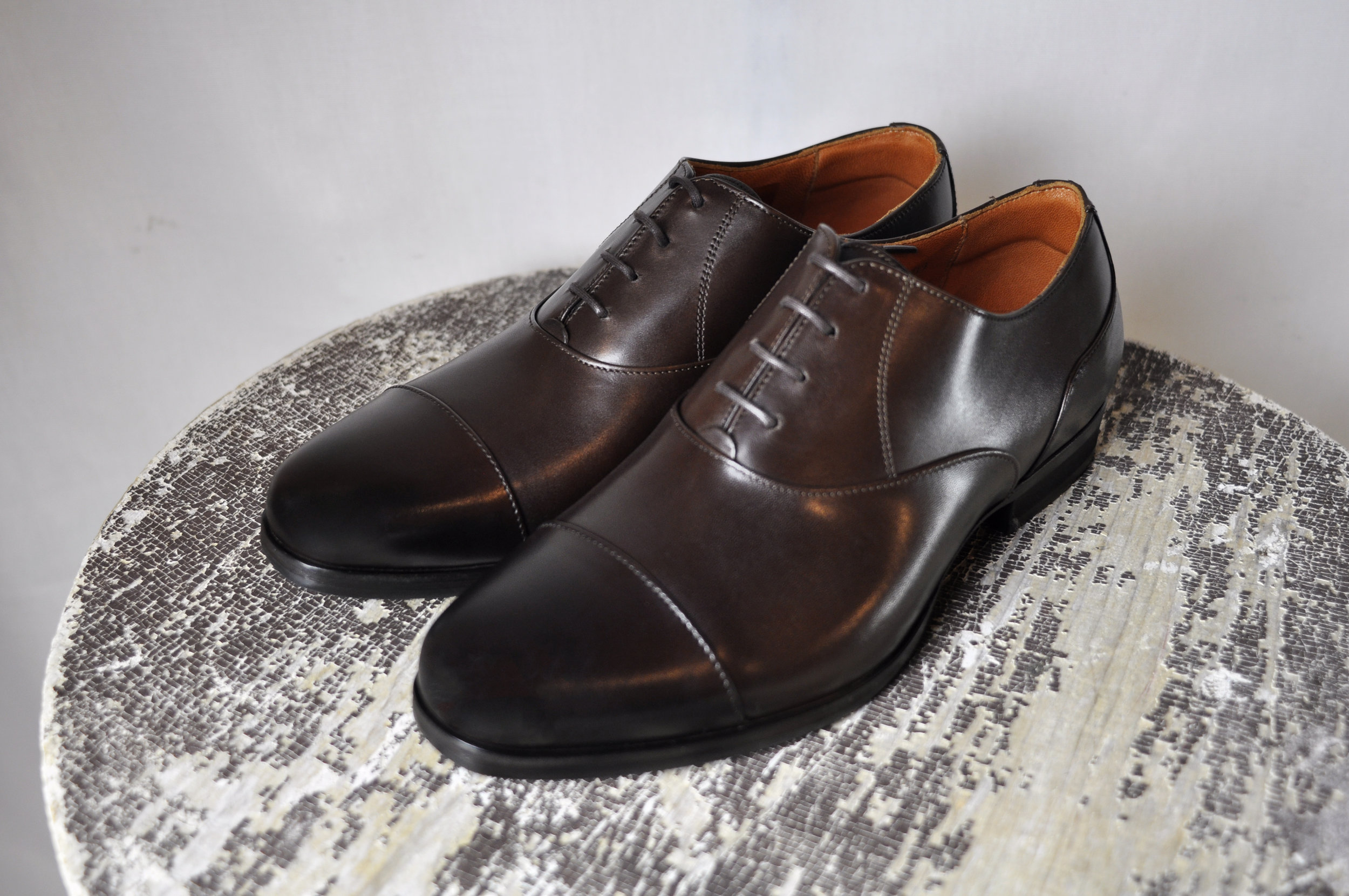 The  Closer Captoe Oxford in Oak Brown