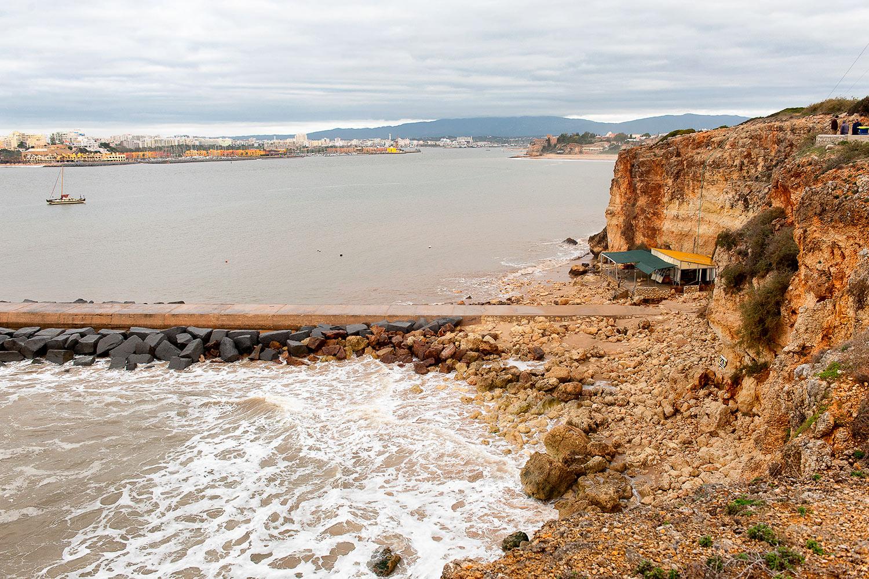 praia-molhe-ferragudo-3.jpg