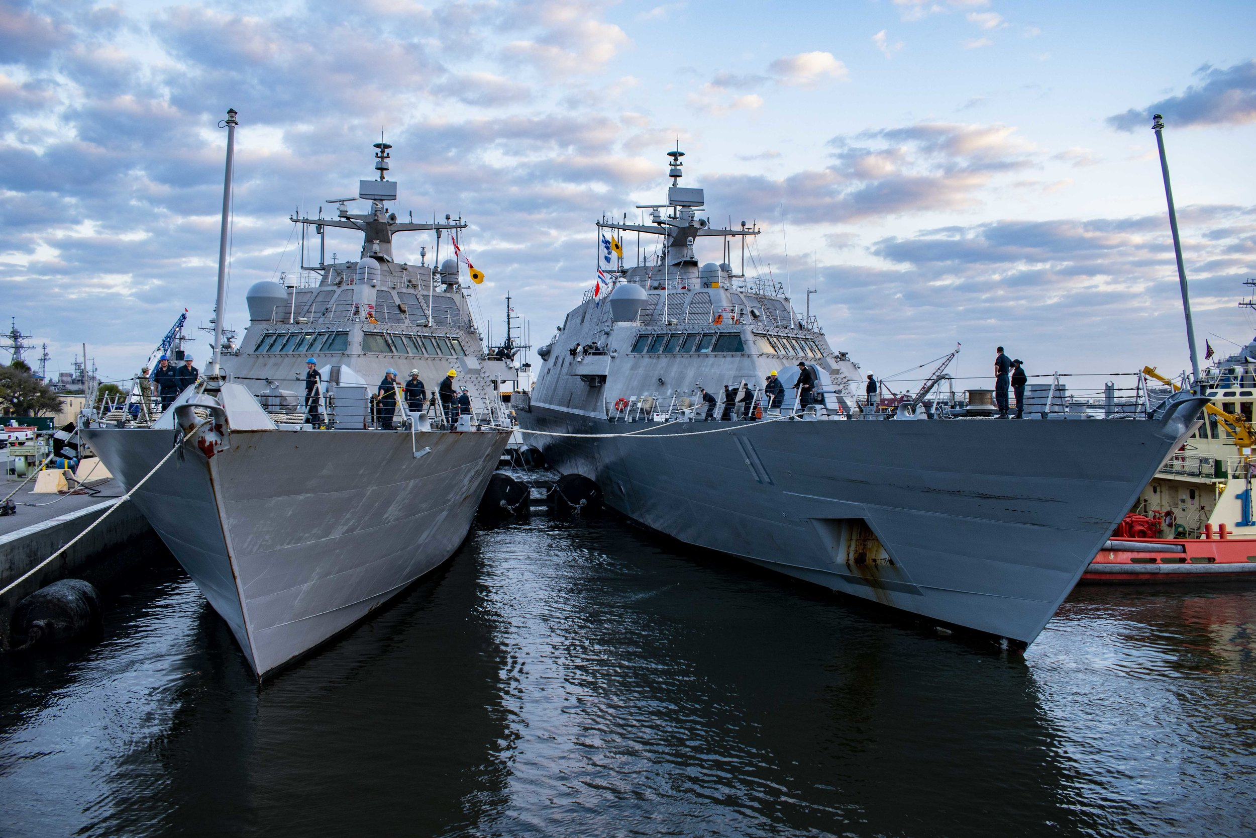 Freedom-class littoral combat ships USS Sioux City (LCS-11) and USS Milwaukee (LCS-5) moor alongside one another during a nesting evolution on Naval Station Mayport, Fla. on March 25, 2019. US Navy Photo