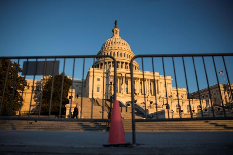 El Gobierno de EE.UU. inicia un cierre parcial por falta de fondos .jpg