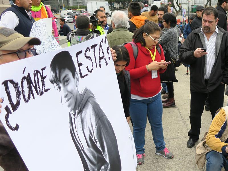 Identifican en un vídeo al joven mexicano desaparecido tras arresto policial .jpg