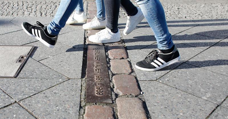 Berlín celebra 10.316 días sin muro, tantos como estuvo en pie .jpg