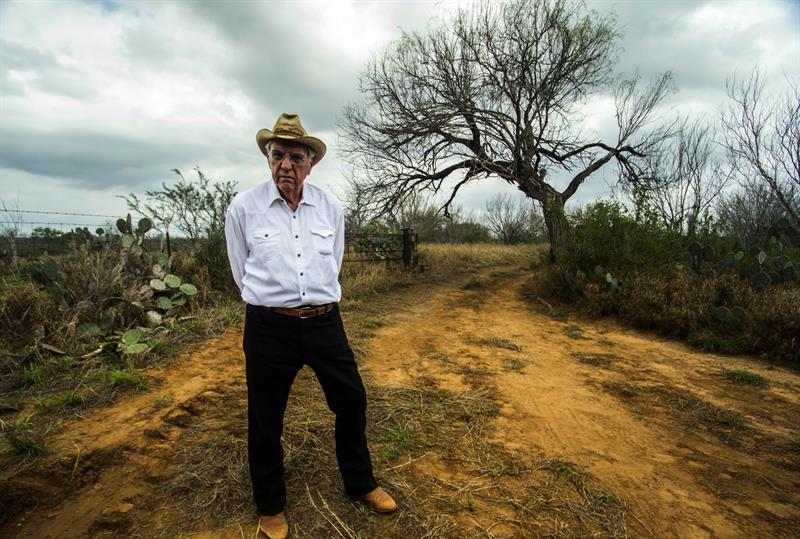 Un ranchero texano demanda a la Patrulla Fronteriza por instalar una cámara ilegal .jpg