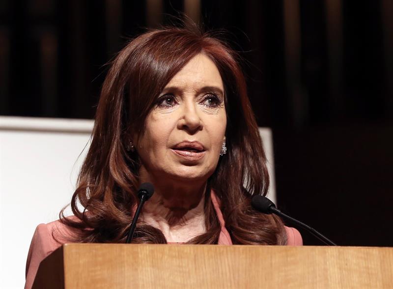Envían a juicio a Cristina Fernández por presunto encubrimiento a terroristas .jpg
