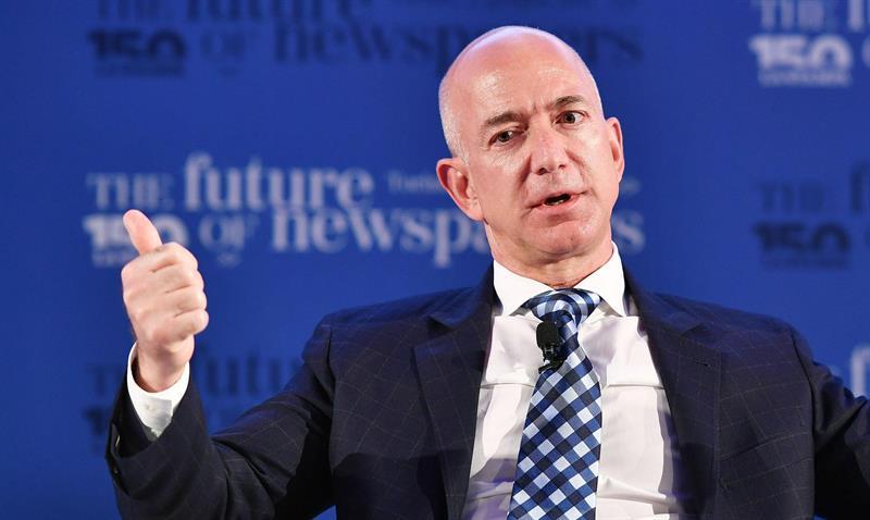 Jeff Bezos se estrena como el hombre más rico del mundo pulverizando récords .jpg