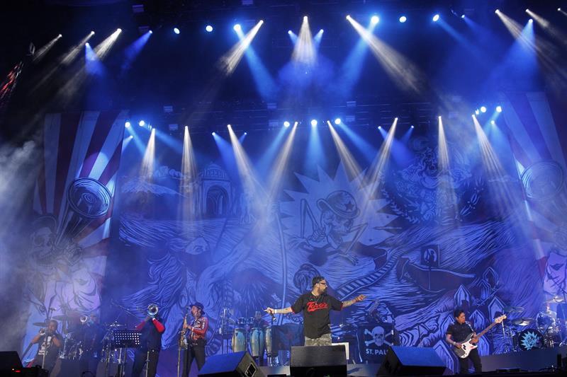 Molotov, Panteón Rococó y Morrissey prenden el Vive Latino en México .jpg