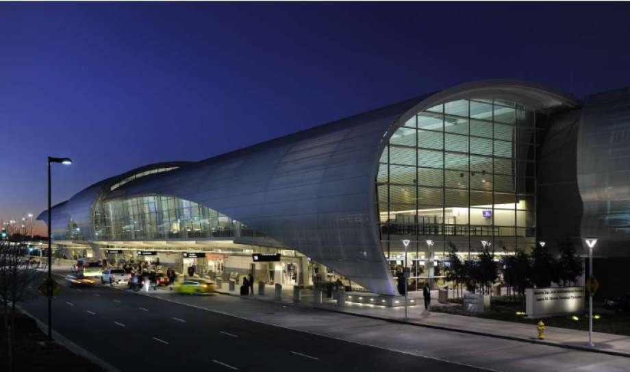 sj airport.jpg