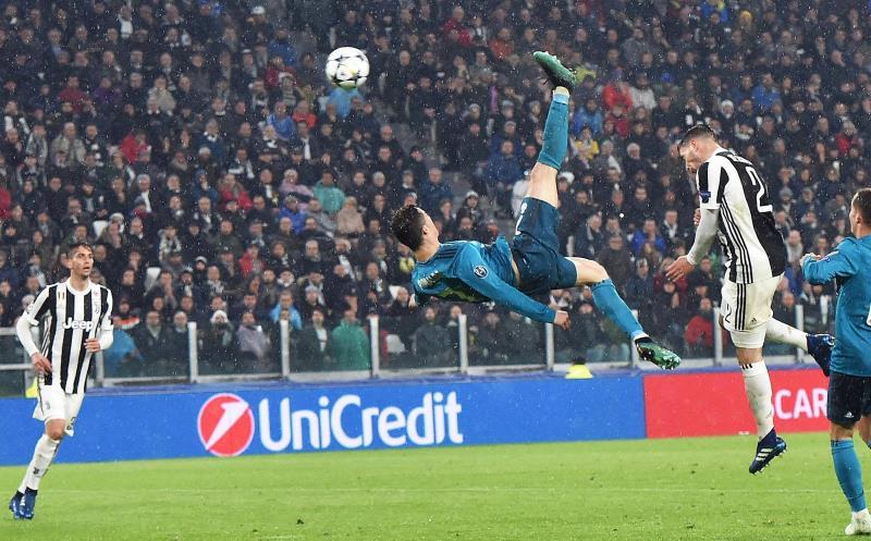 La chilena de Cristiano Ronaldo, elegido mejor gol de la temporada Imagen de la chilena con la que Cristiano Ronaldo (c) anotó el 2-0 para el Real Madrid contra Juventus en los cuartos de final de la Liga de Campeones.