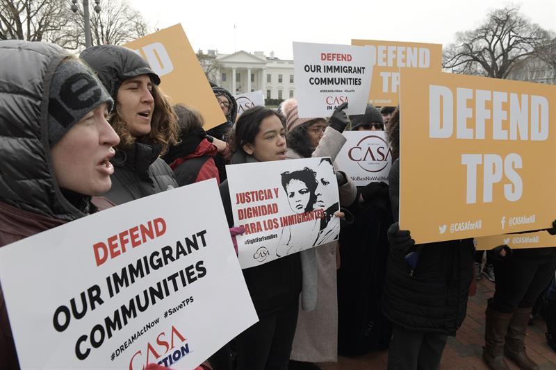 El TPS es un programa migratorio creado en 1990 con el que EE.UU. concede permisos de forma extraordinaria a los nacionales de países afectados por conflictos bélicos o desastres naturales