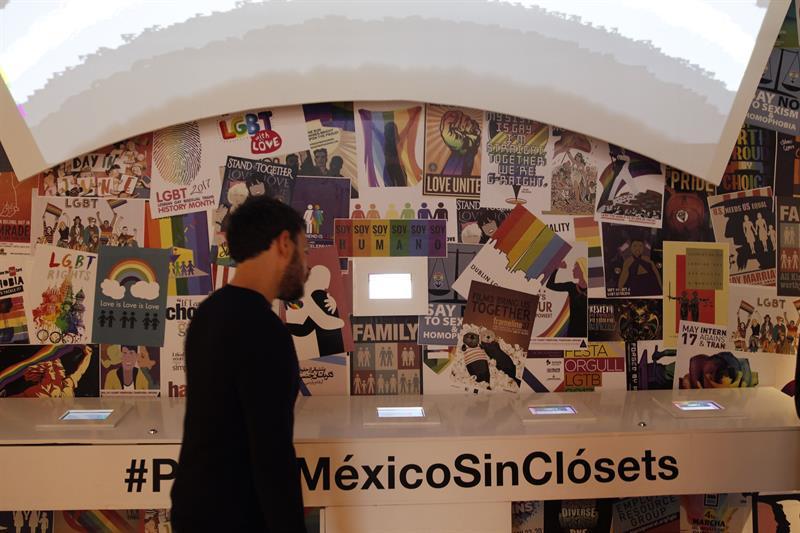 """El Senado de México estudiará establecer penas de entre uno y tres años de cárcel a quienes promuevan, apliquen o financien terapias que dicen """"curar"""" la homosexualidad, informaron hoy las senadoras que impulsan la iniciativa."""