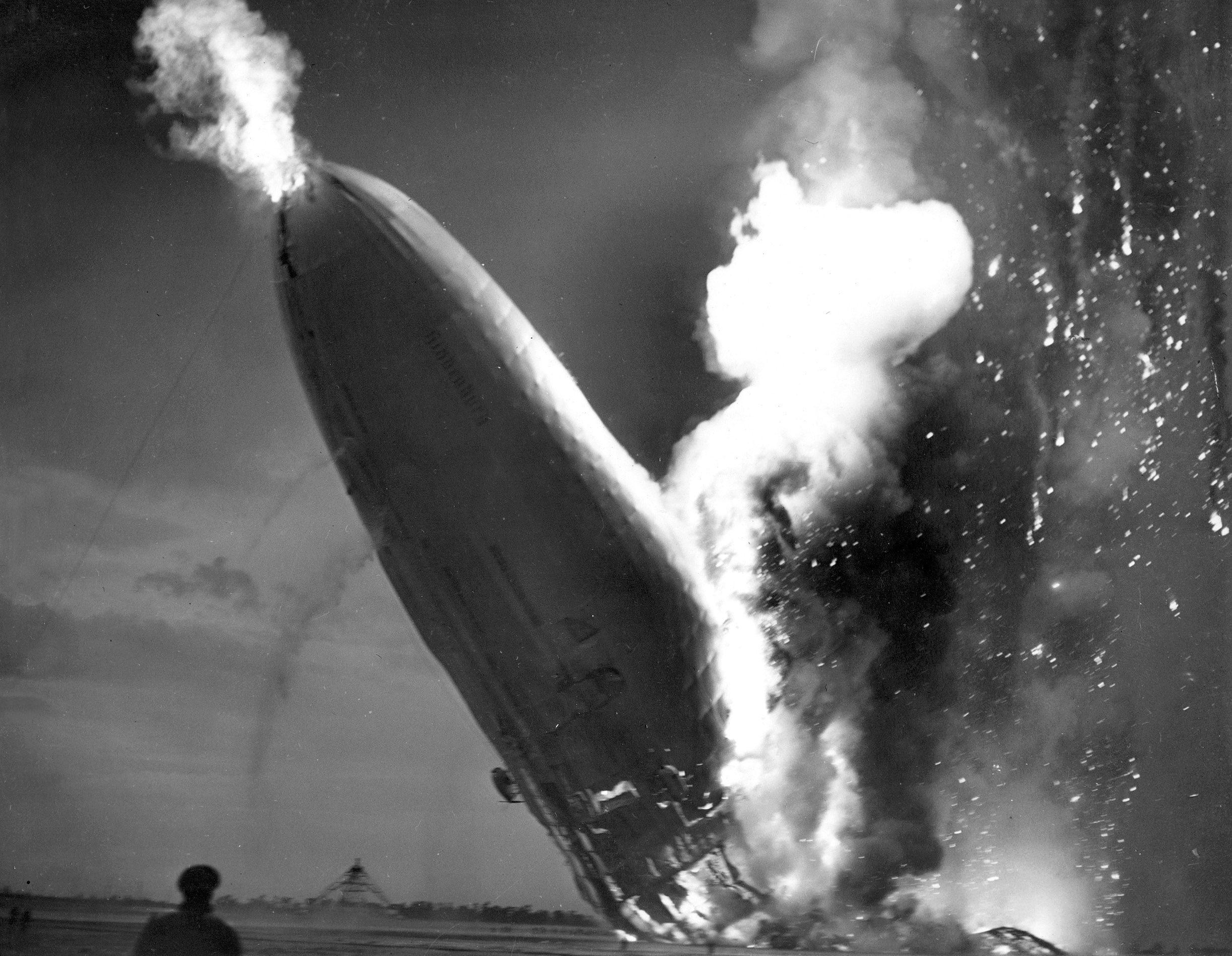 HISTORIA Hindenburg.jpg