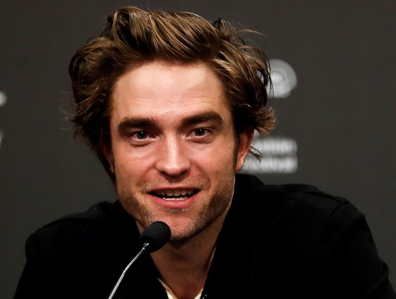 robert pattinson.jpg