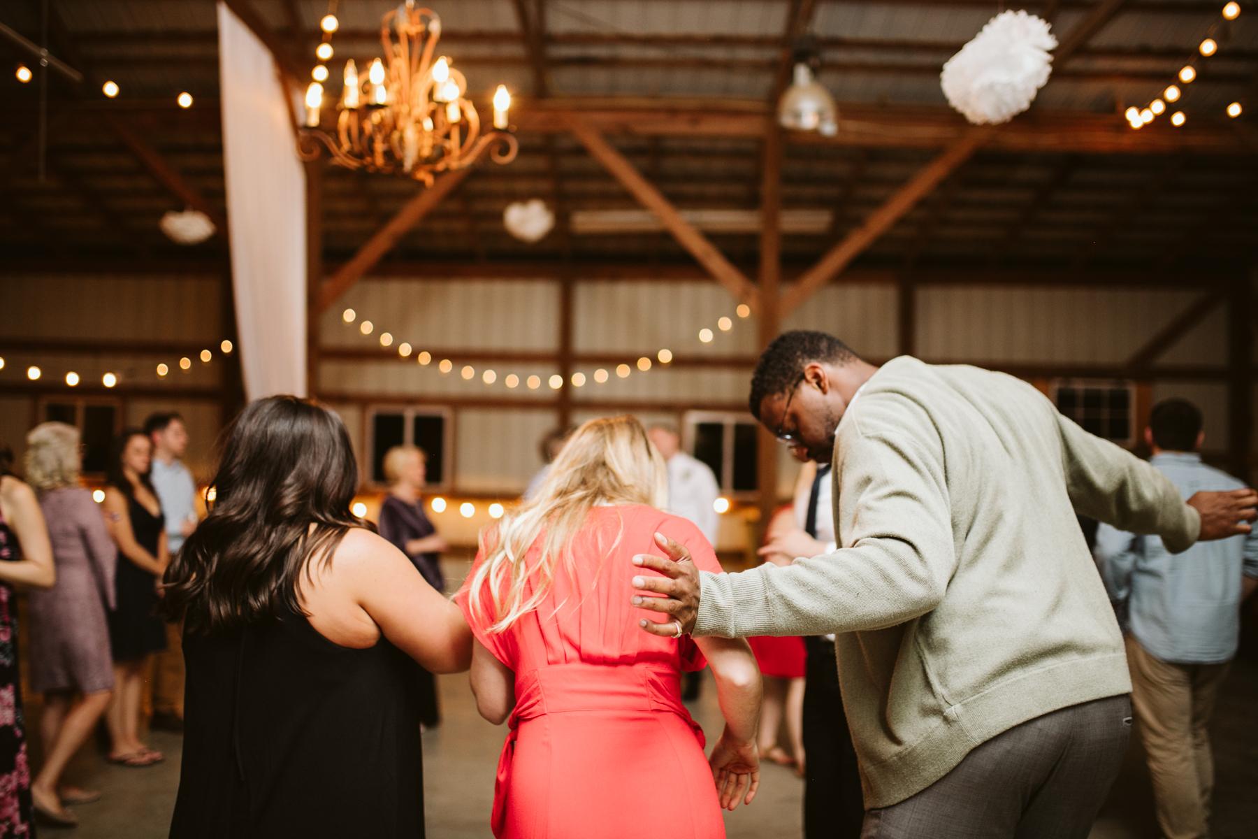 barn-in-the-bend-wedding (79).jpg