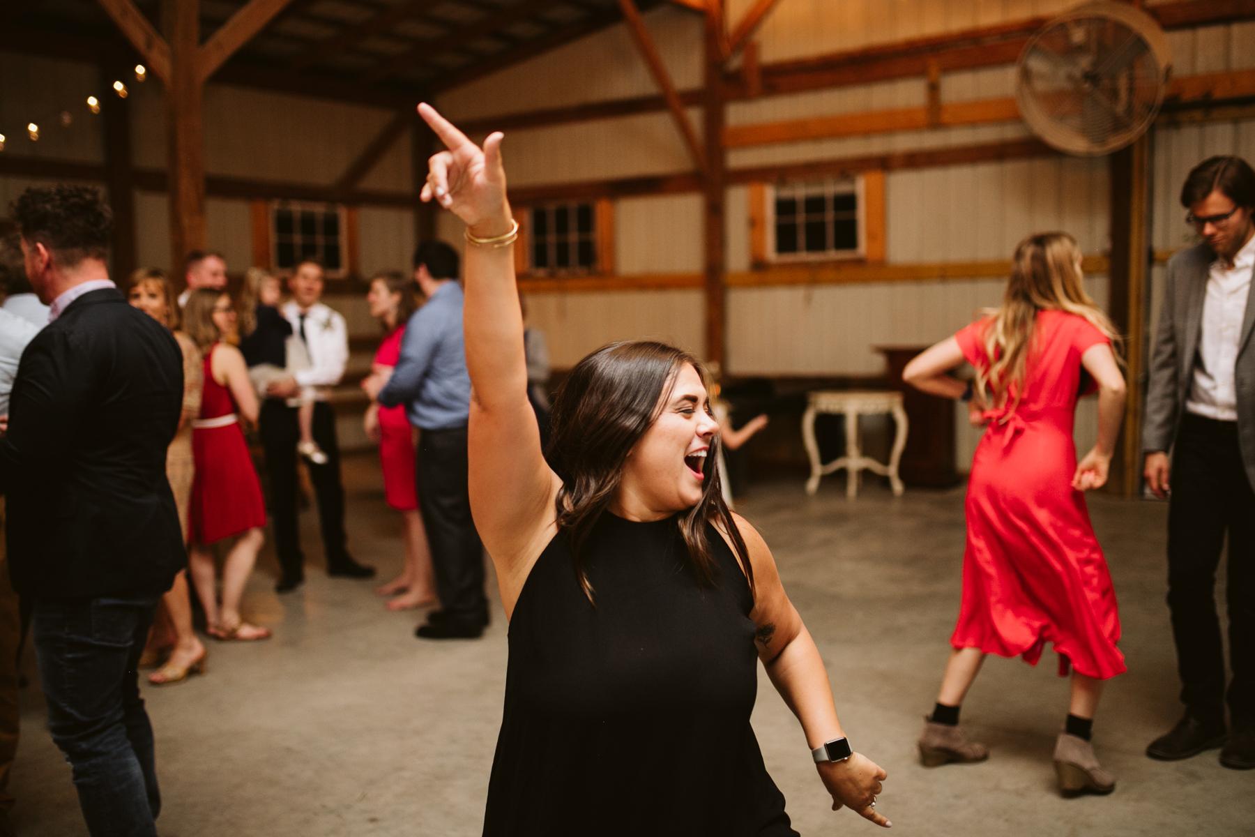 barn-in-the-bend-wedding (81).jpg
