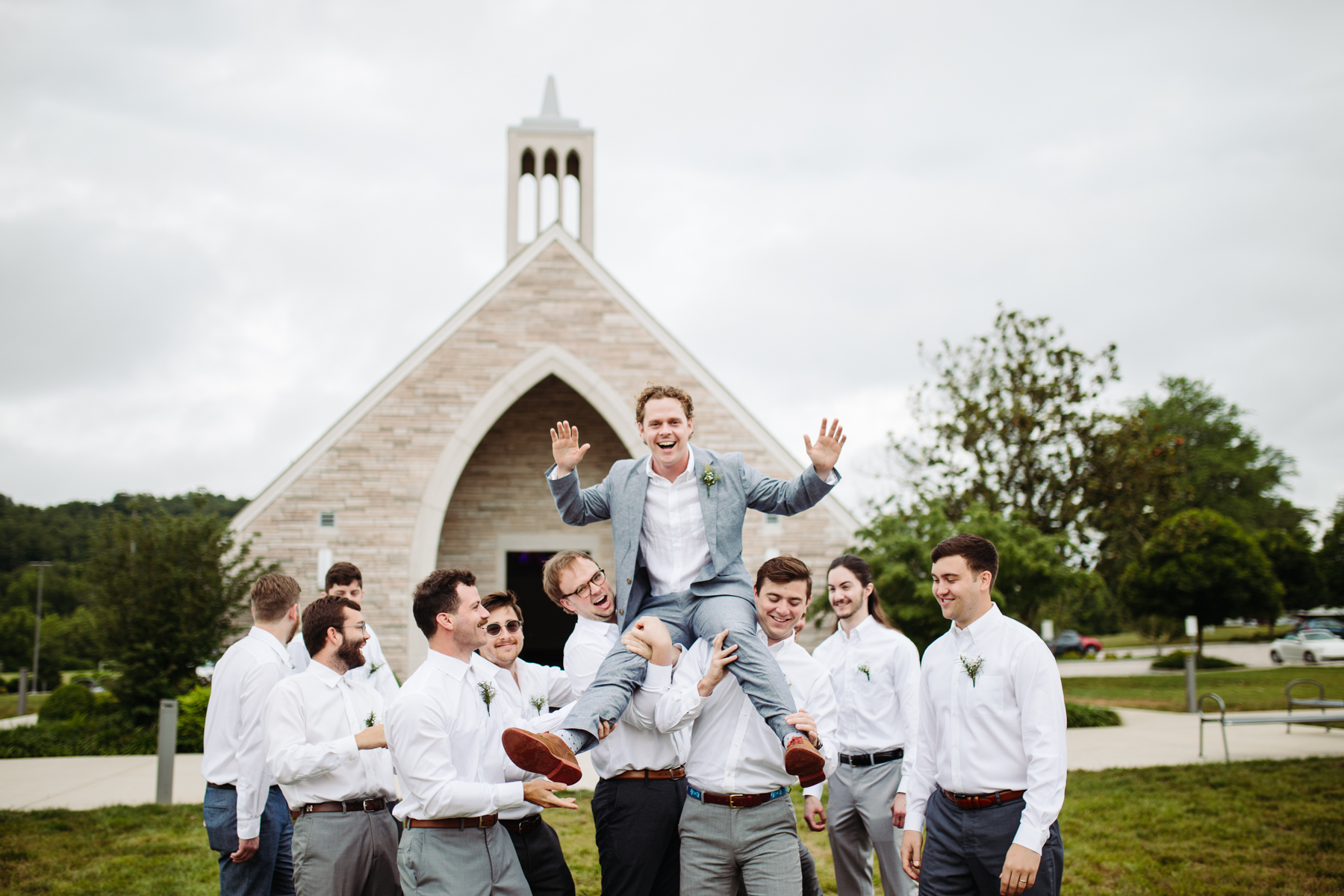 Groom and groomsmen photos at Lakeshore Chapel before a downtown knoxville wedding at redeemer church