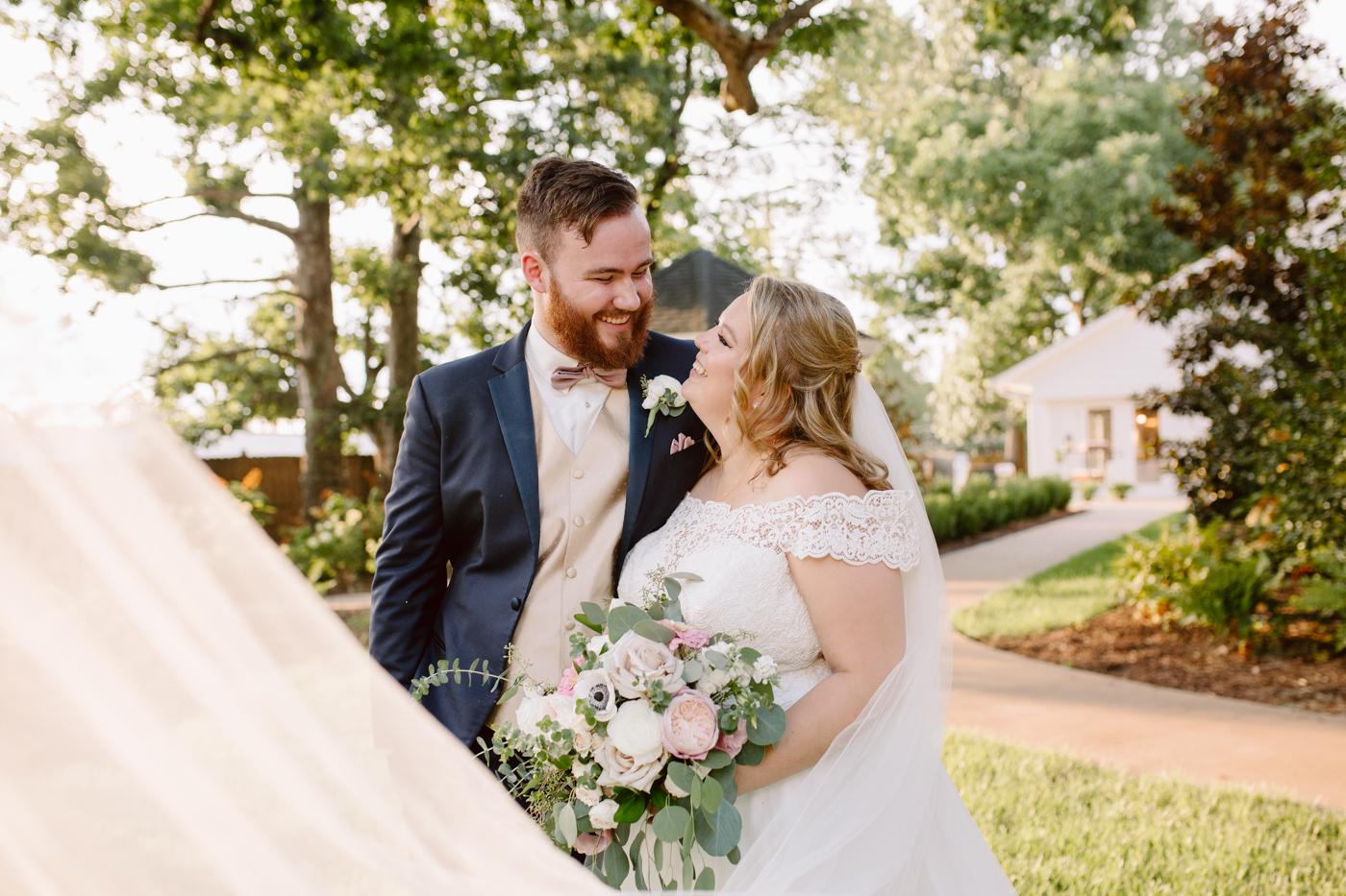 venue-at-twin-oaks-tennessee-wedding (19).jpg
