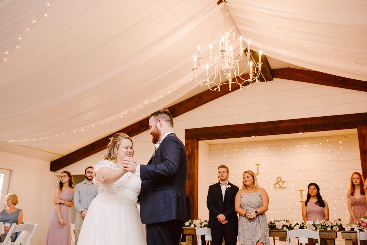 venue-at-twin-oaks-tennessee-wedding (21).jpg